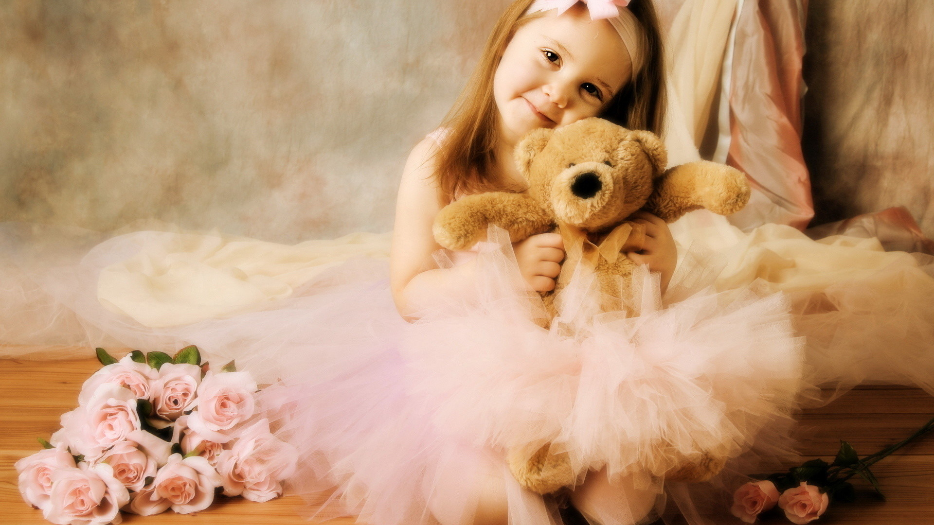 Images Of Cute Girls Wallpapers Wallpapers)