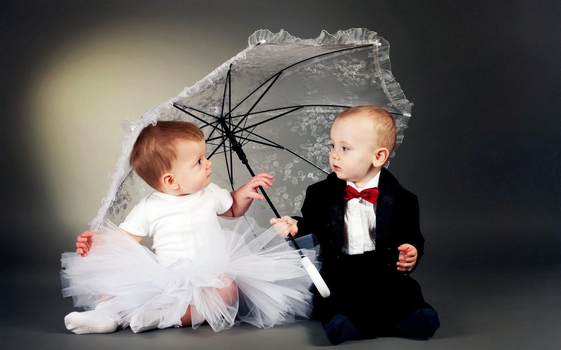 Cute-wedding-baby-couple-wallpaper