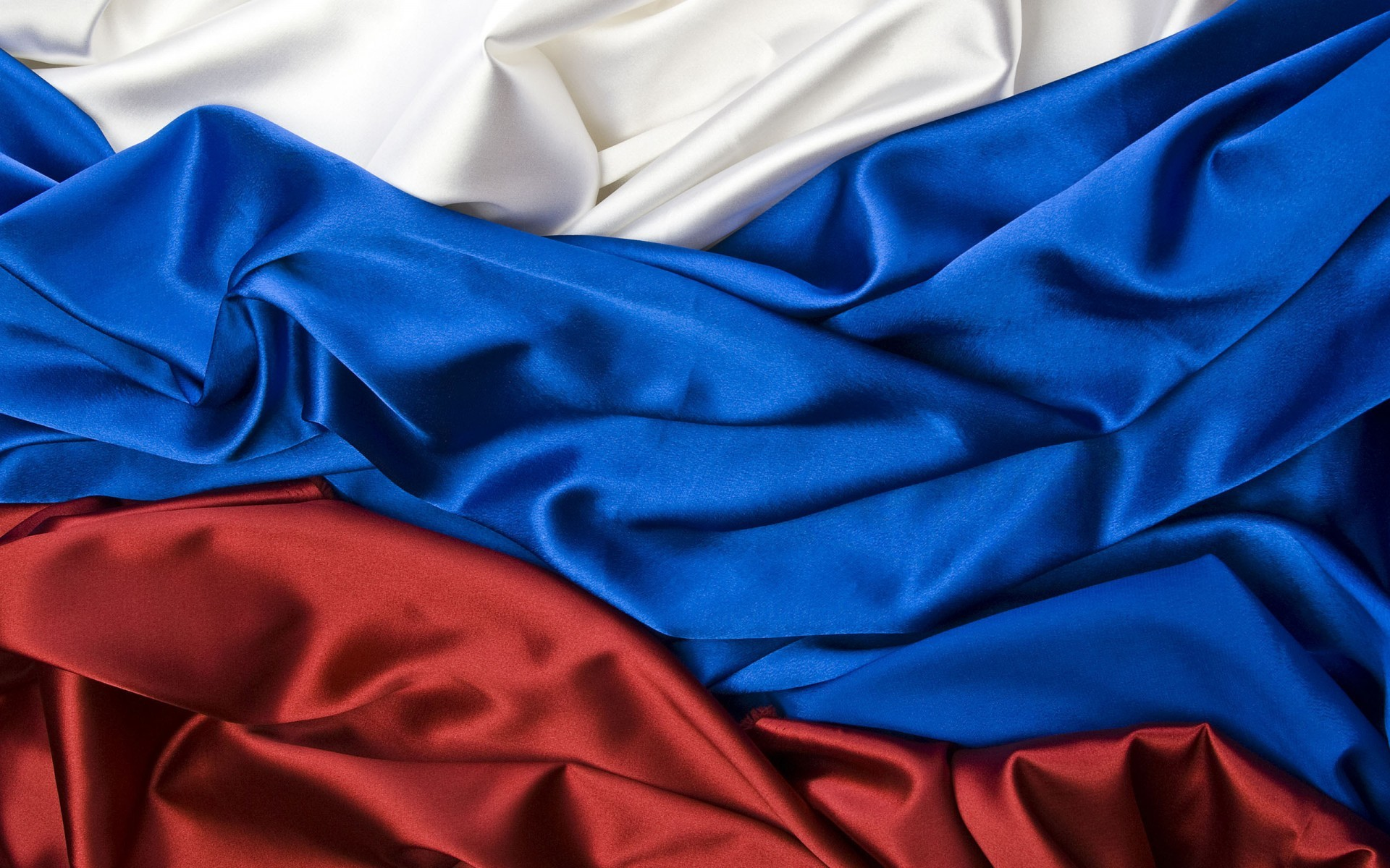 World / Flag of Russia Wallpaper