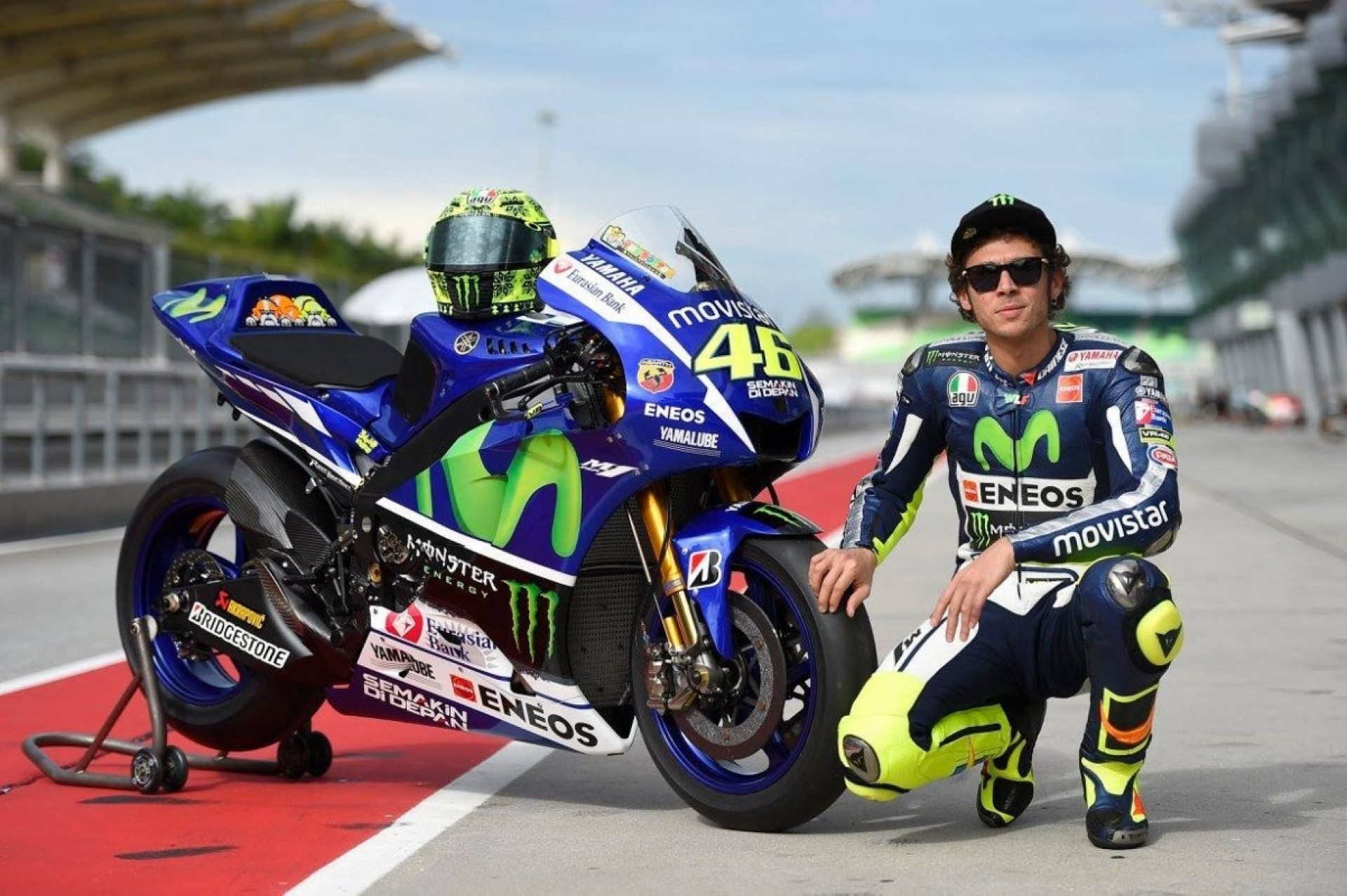MotoGP Wallpaper Valentino Rossi 2017