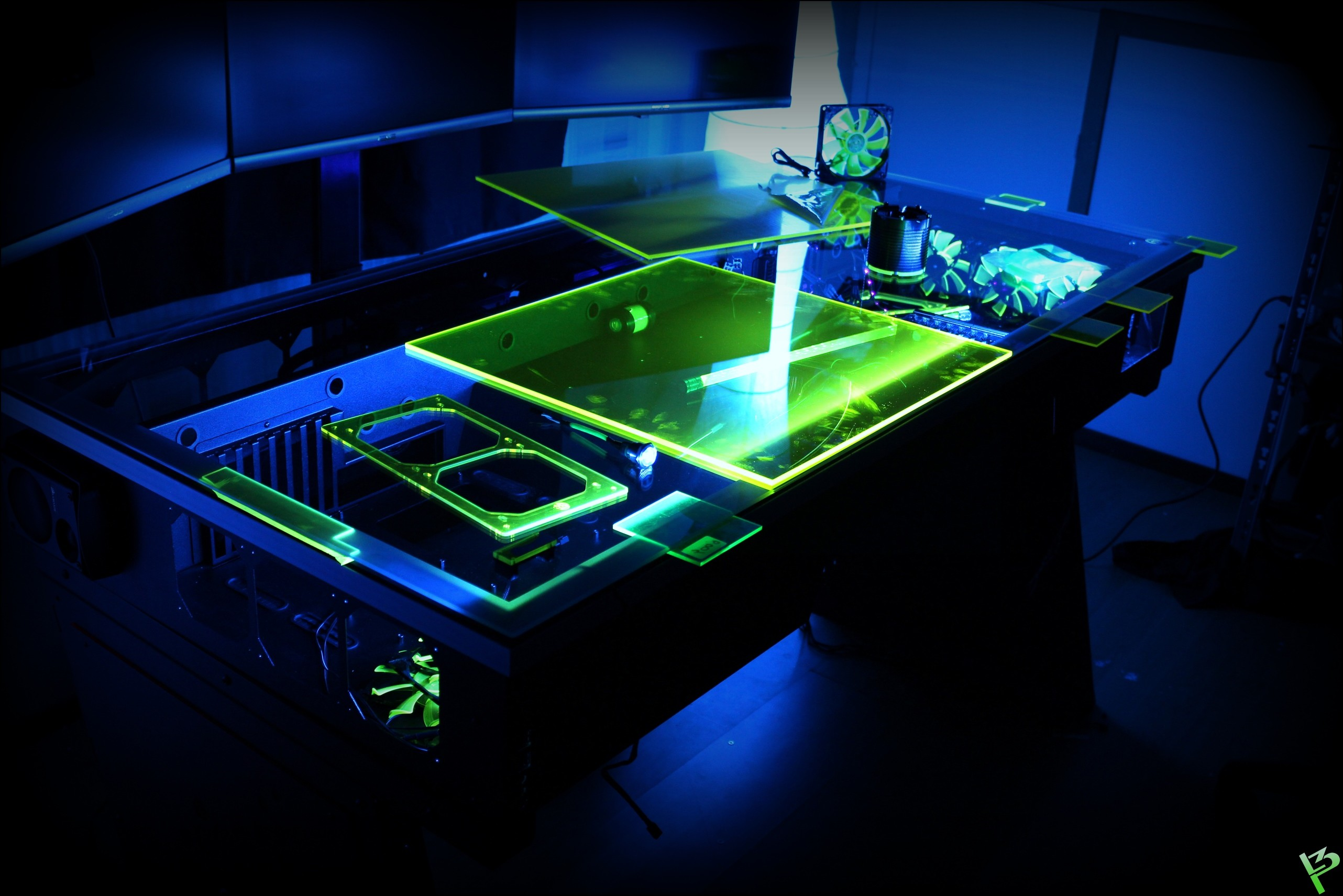 PeterB Green Desk