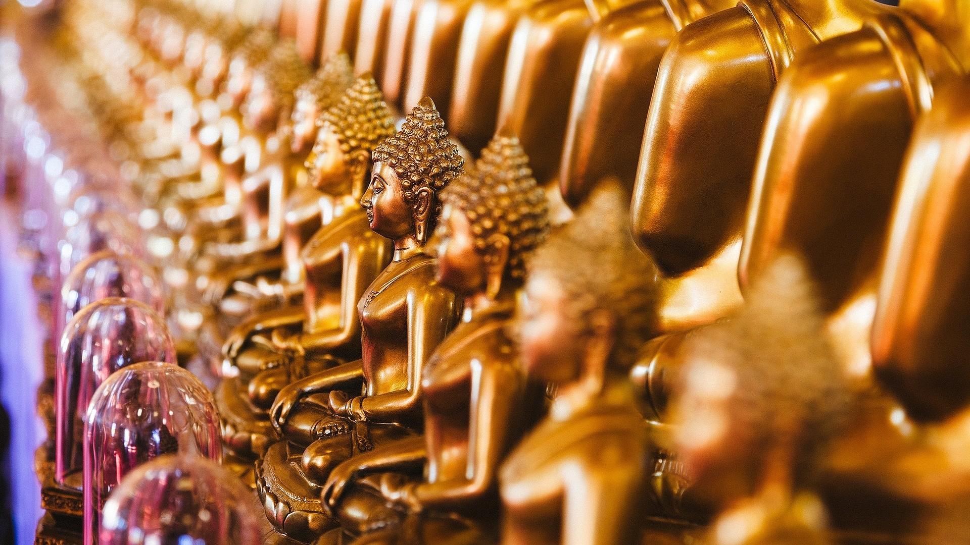 Golden Idols Lord Buddha