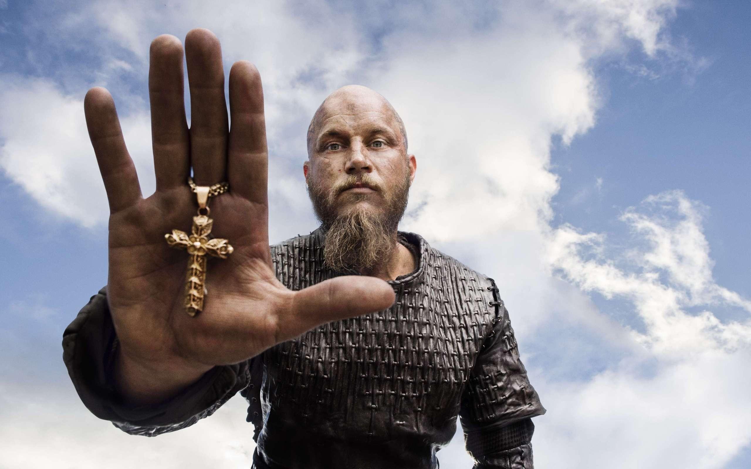 Ragnar Lodbrok In Vikings 480×854 Resolution