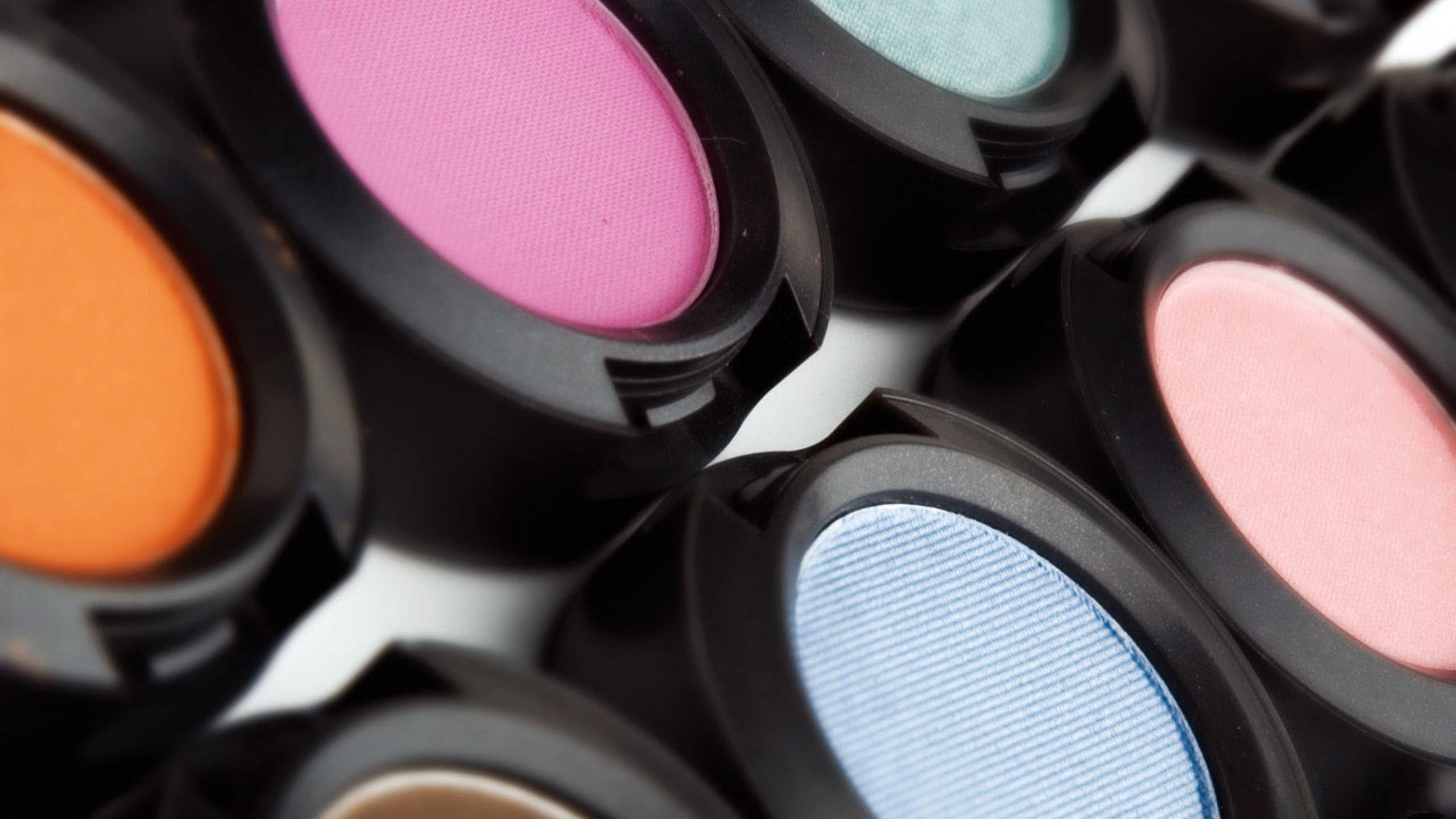 Preview wallpaper makeup, cosmetics, eye shadow, color 2560×1440