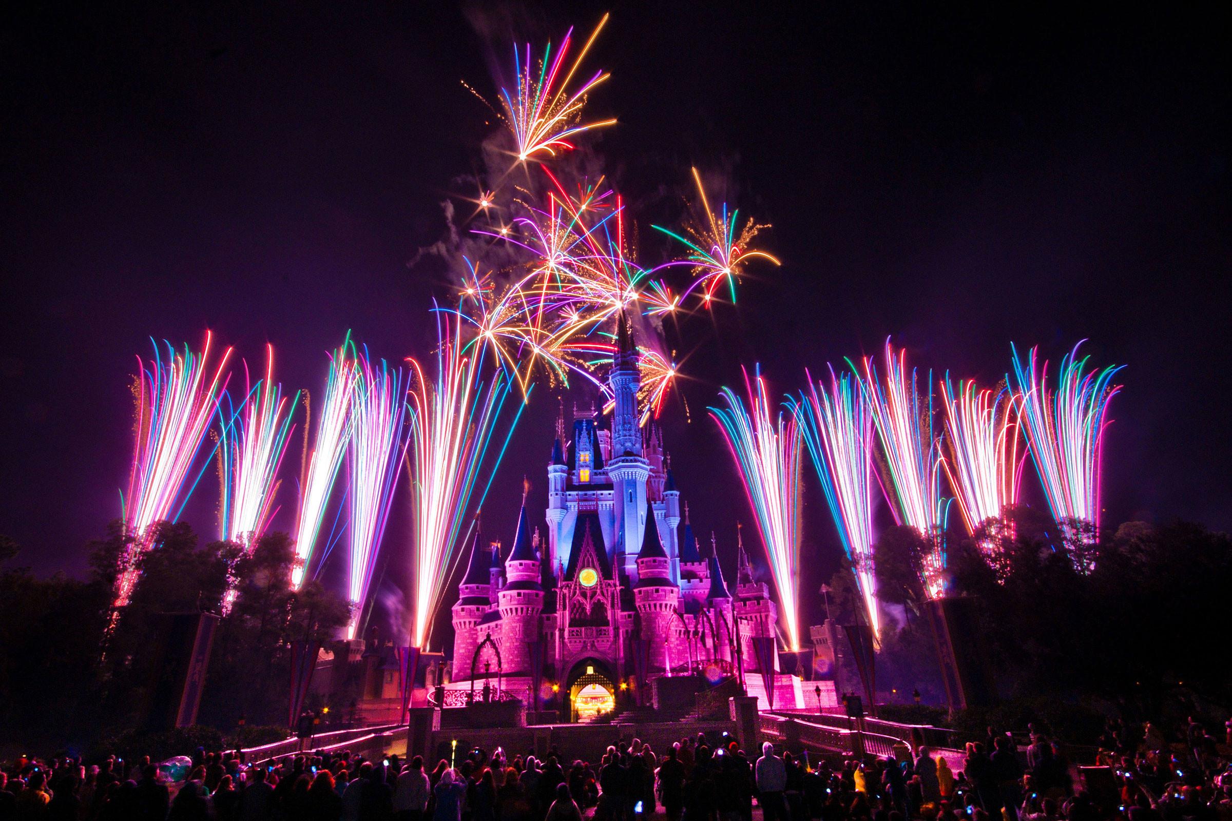 Walt-Disney-4th-for-july-fireworks