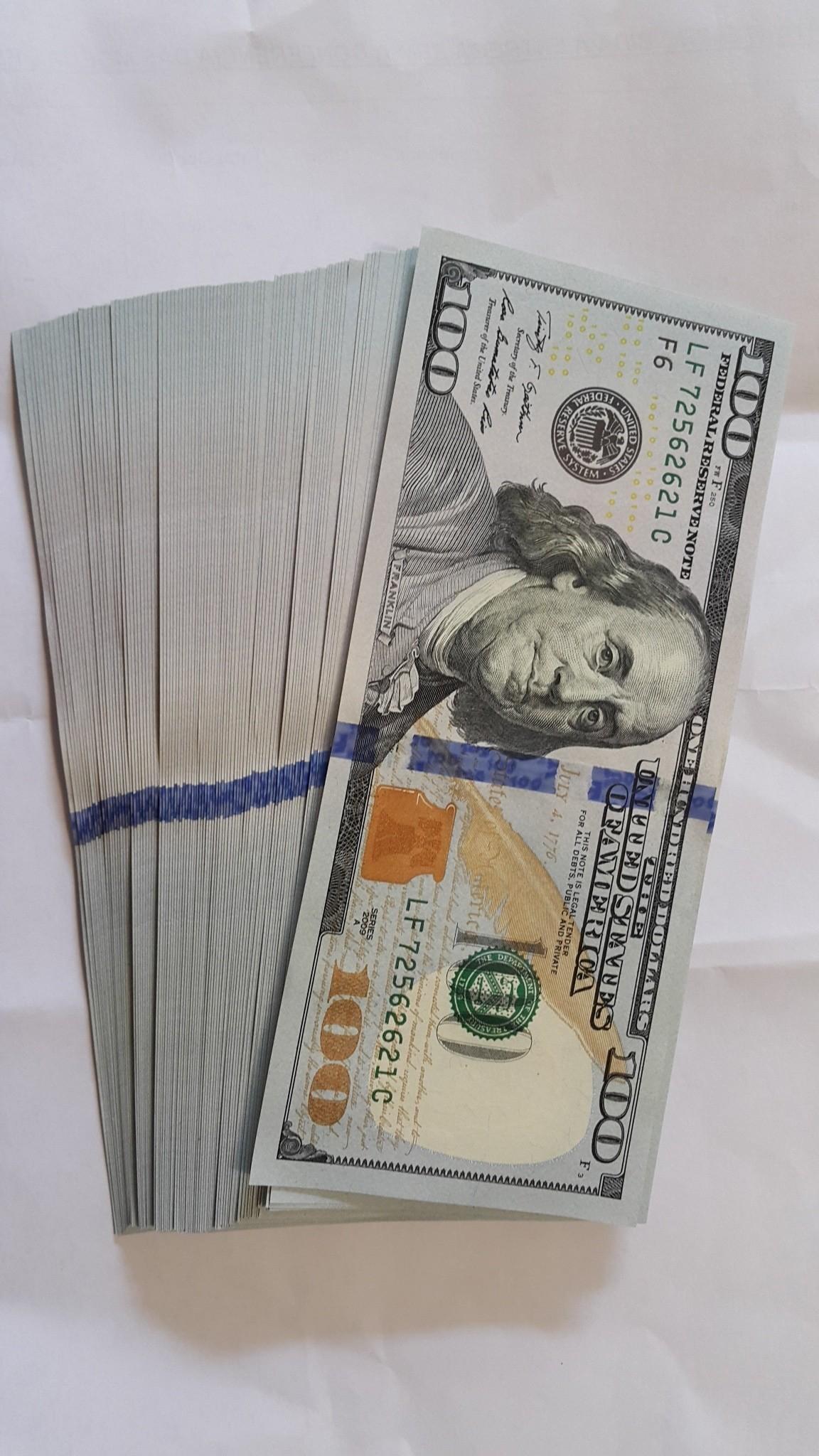 100 u.s. dollar bill bundle