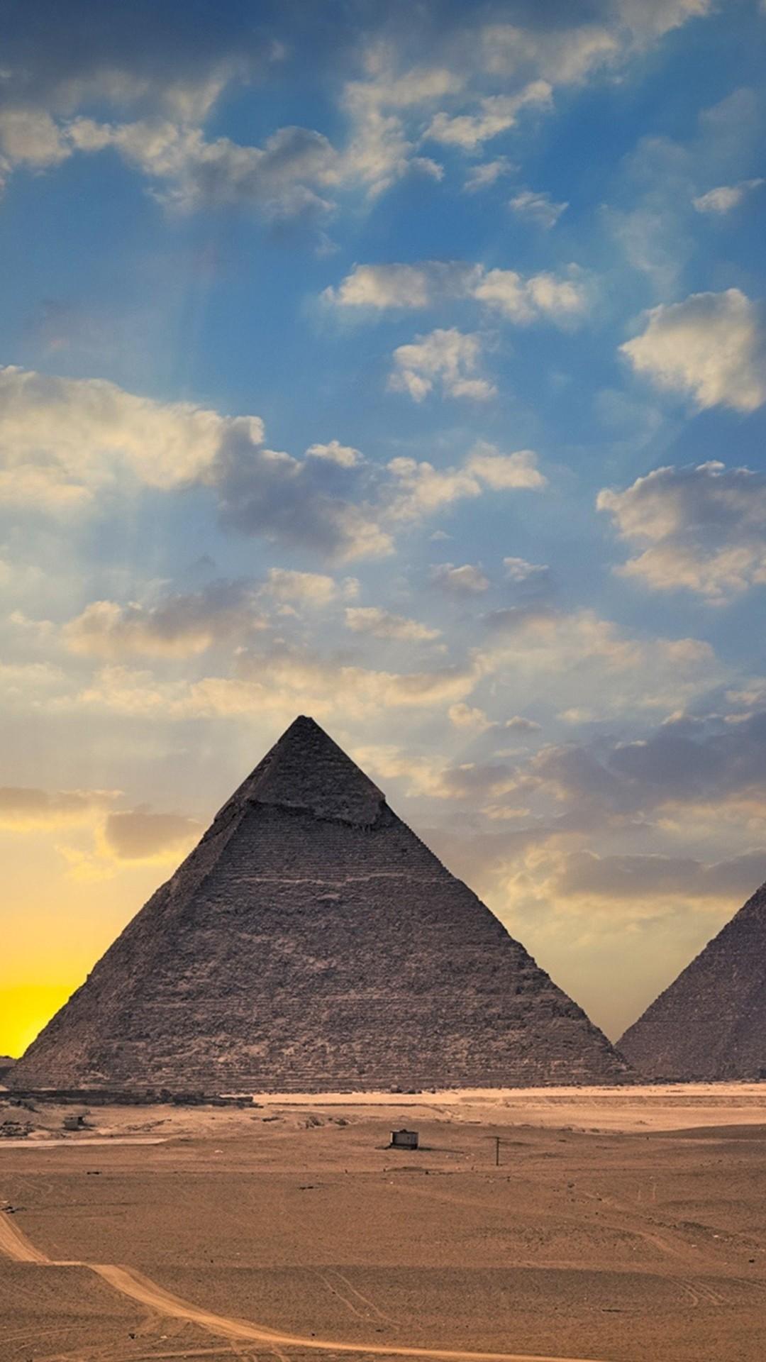 Egypt pyramids 4K Ultra HD wallpaper   4k-Wallpaper.Net