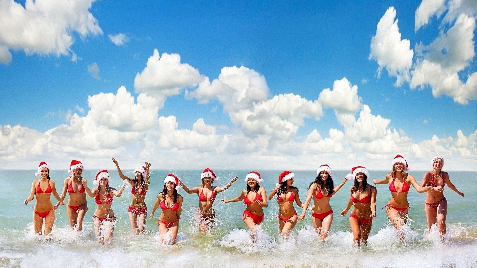 Beach-Girls-Cool-Wallpapers-Background-HD-Wallpaper