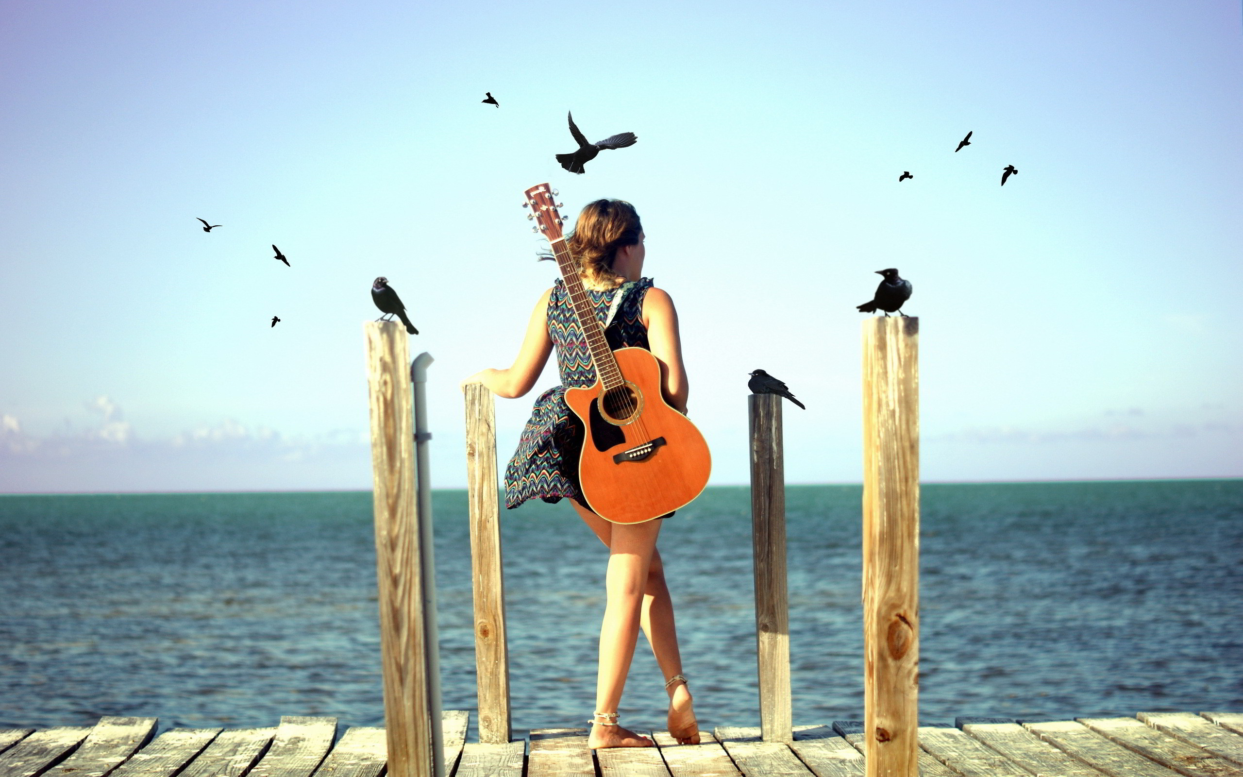 Women and Guitars   Guitar girl beach Wallpapers Pictures Photos Images