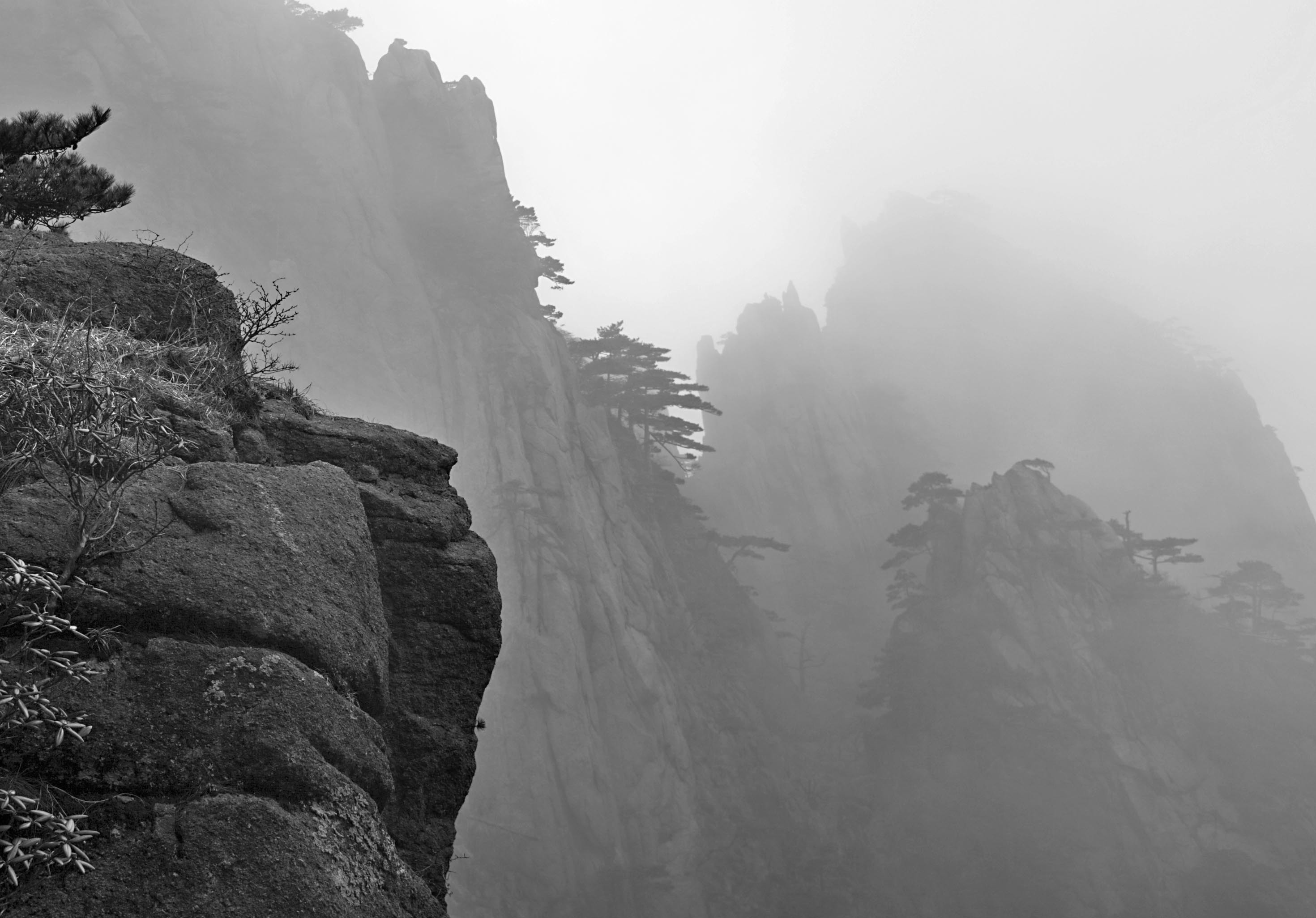 Chinese Mountain Painting Wallpaper