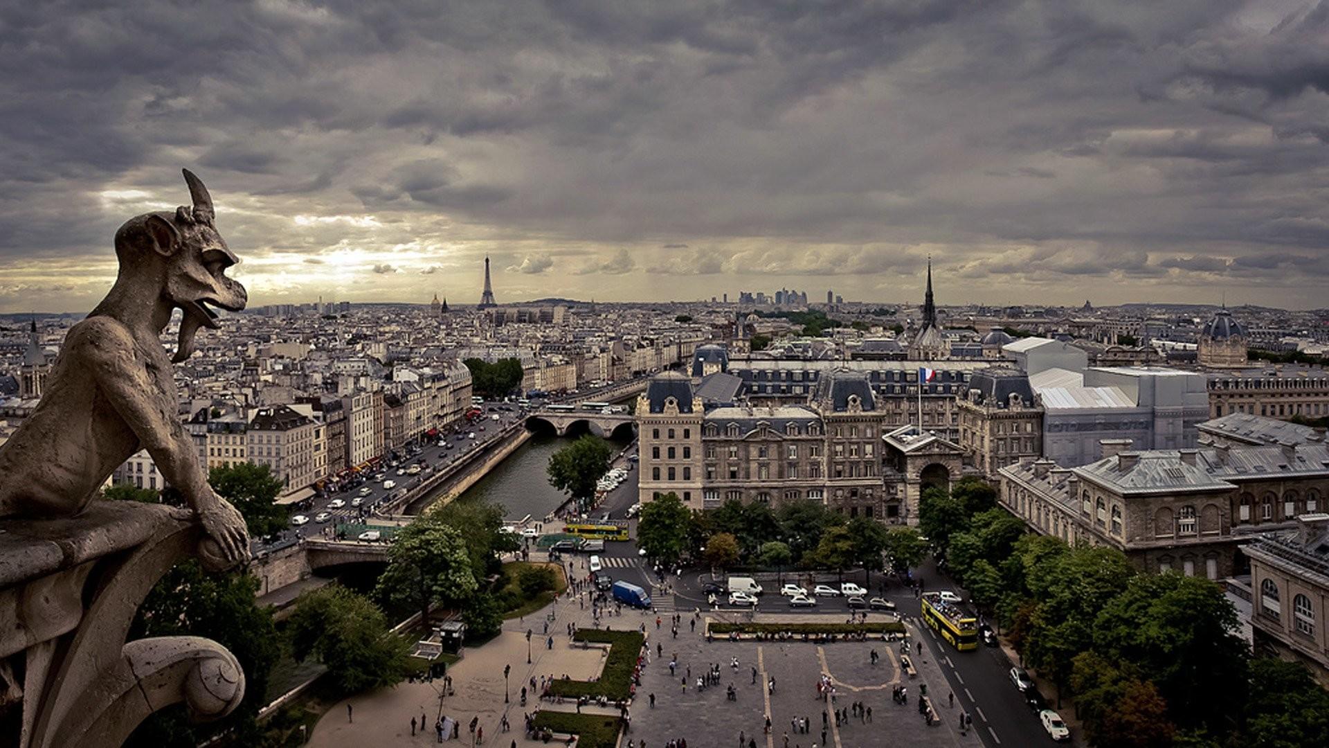 Notre Dame Paris Gargoyle …