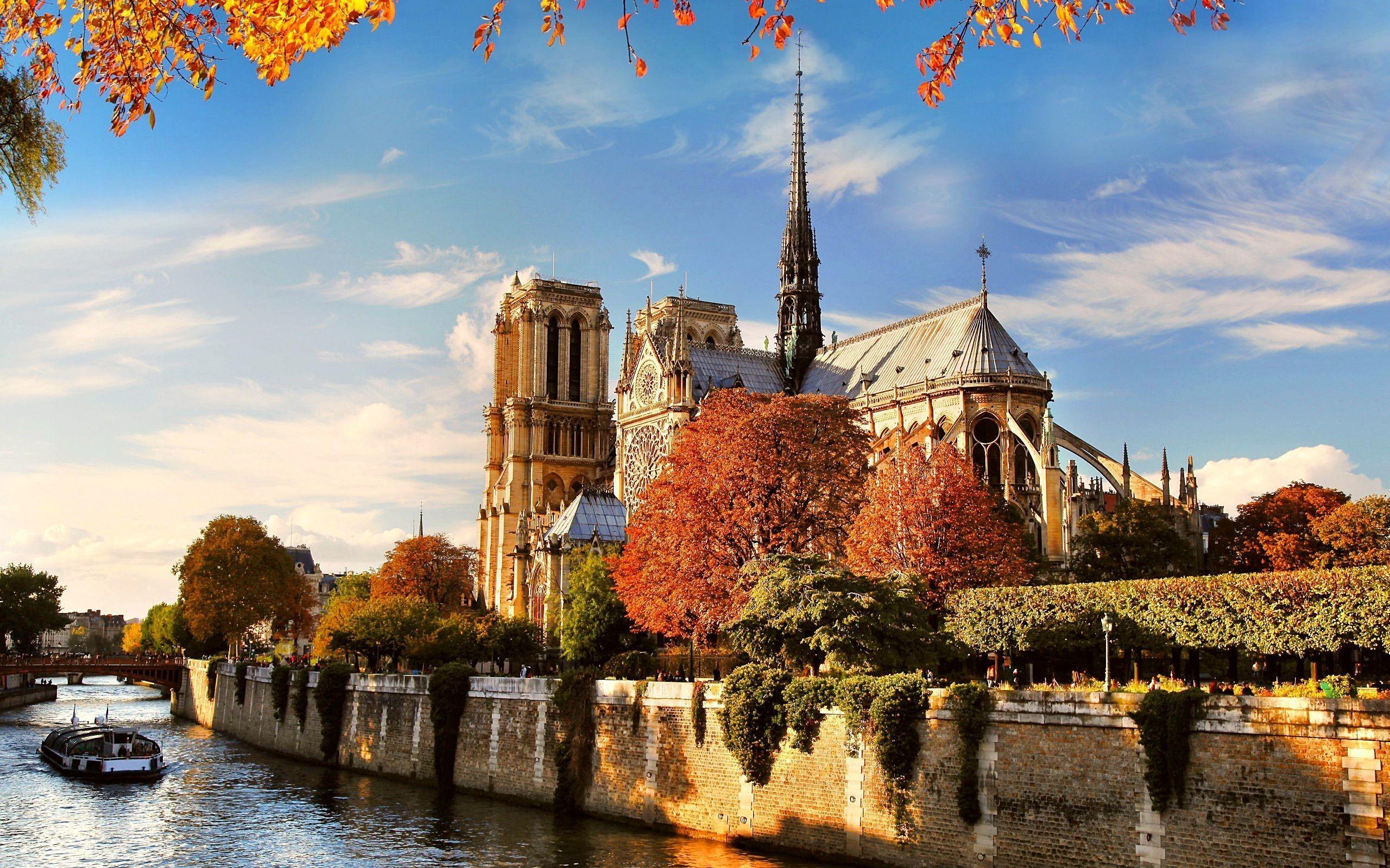 Medieval: Notre Dame Cathedral Paris France Free Desktop Wallpaper .