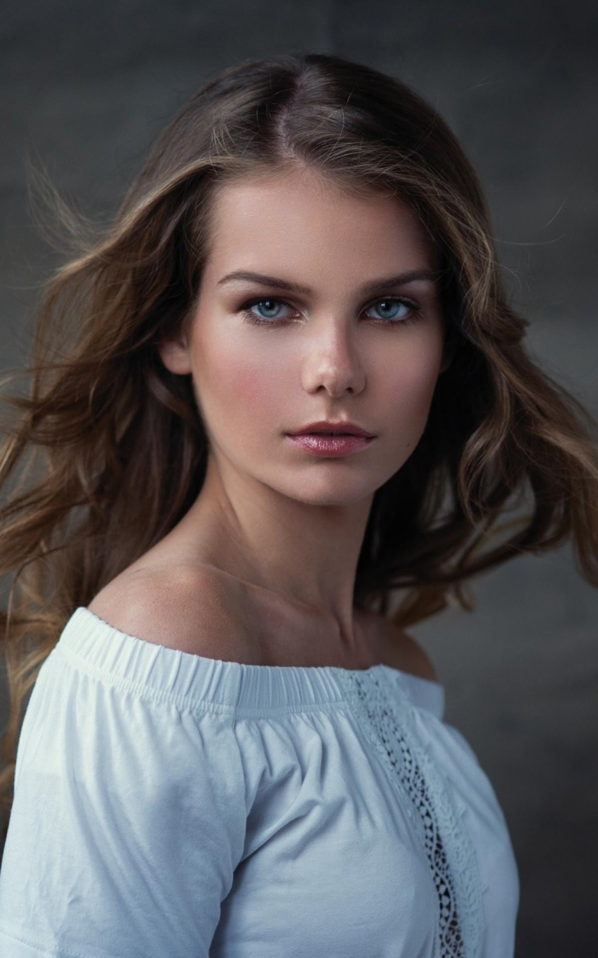 Women, Brunette, Model, Face Portrait, Semi Profile View