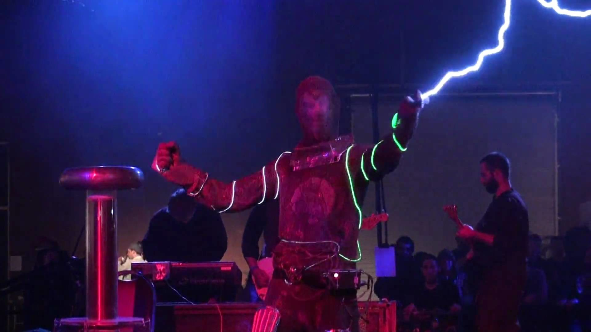 Tesla Coils – Arc Attack – Doctor Who Theme Song – Makers Faire 2010 – San  Mateo – No. 1 – YouTube
