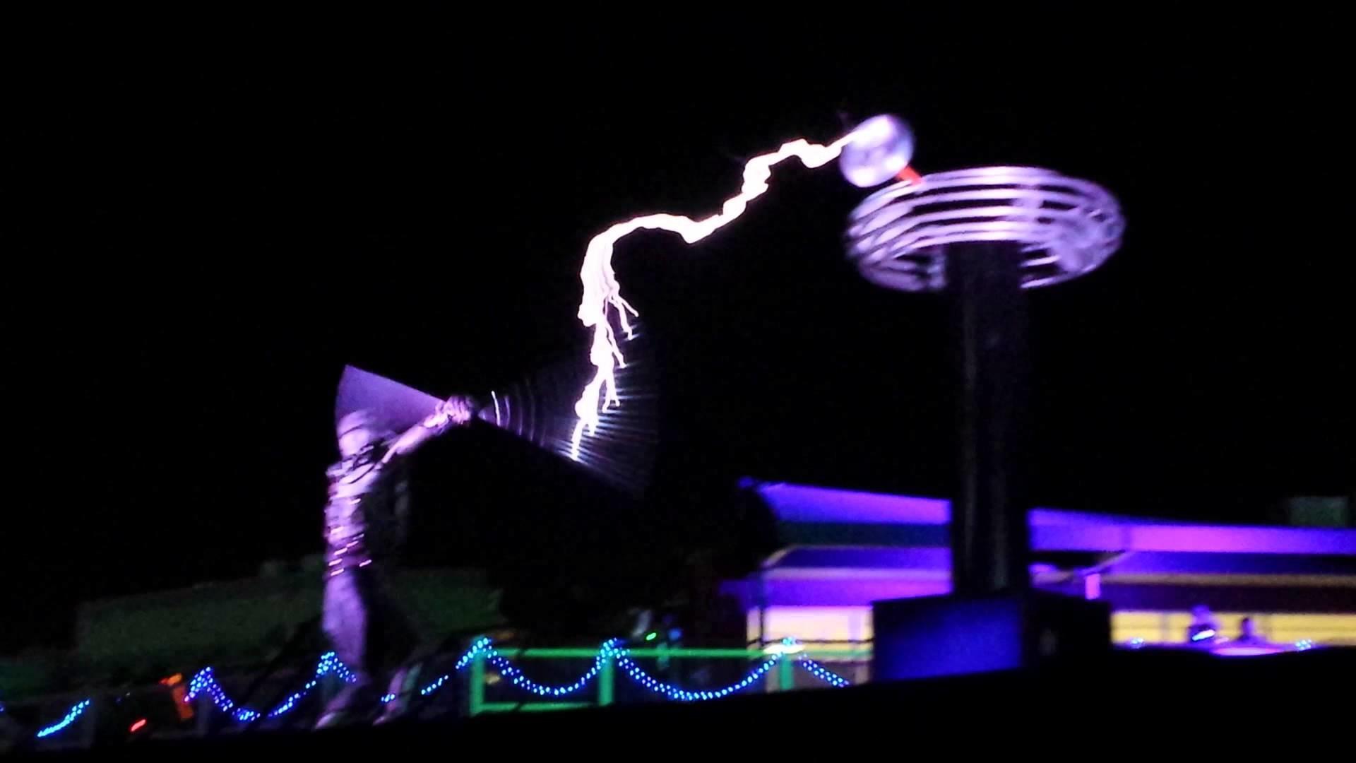 Tesla Coil Electricity Dance @ EDC Las Vegas 2015