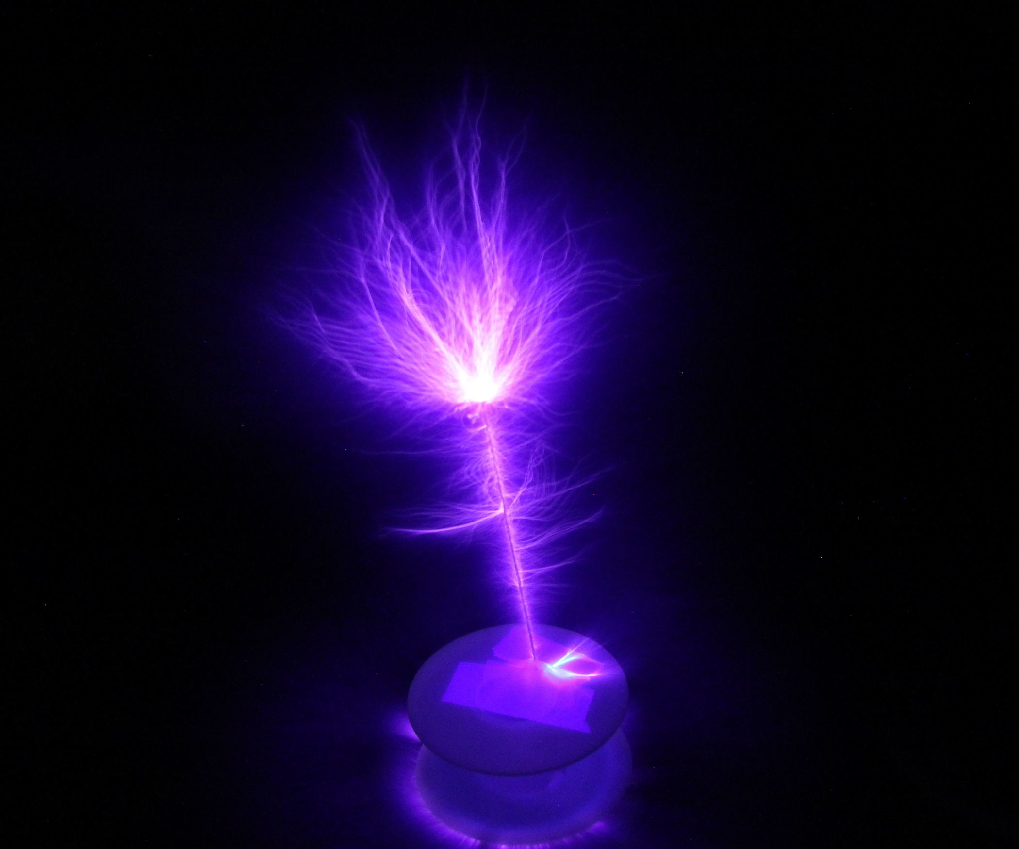 The Lightning Machine: How to Build a Tesla Coil: 12 Steps (with Pictures)