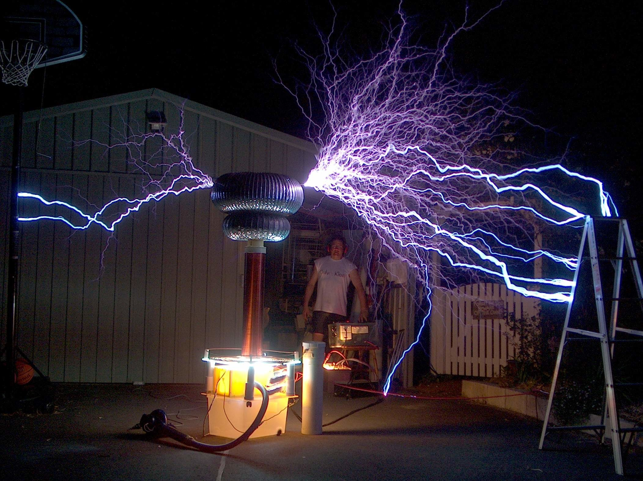 … Tesla coil with 7 foot sparks.