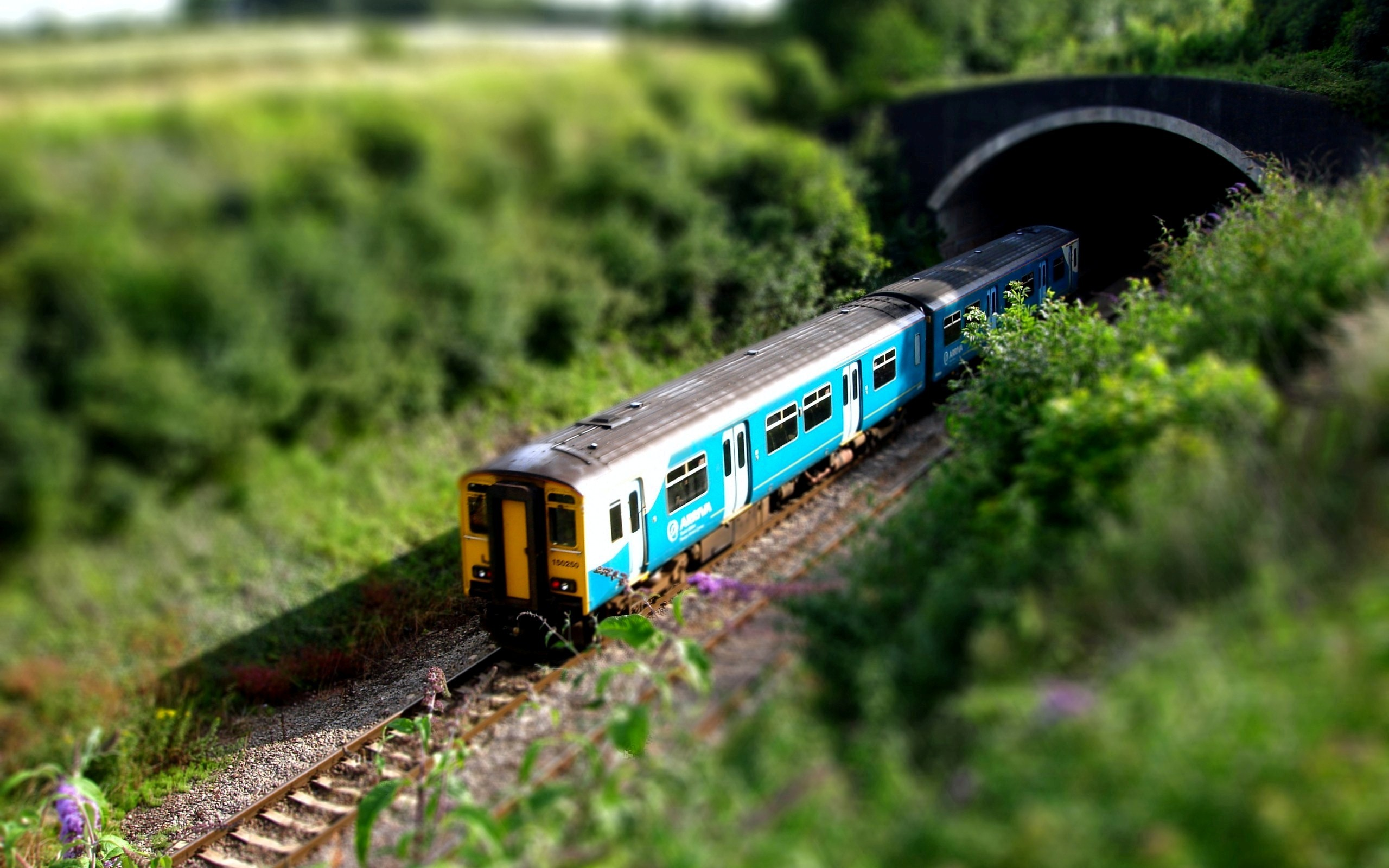 Free Modern Train Wallpapers