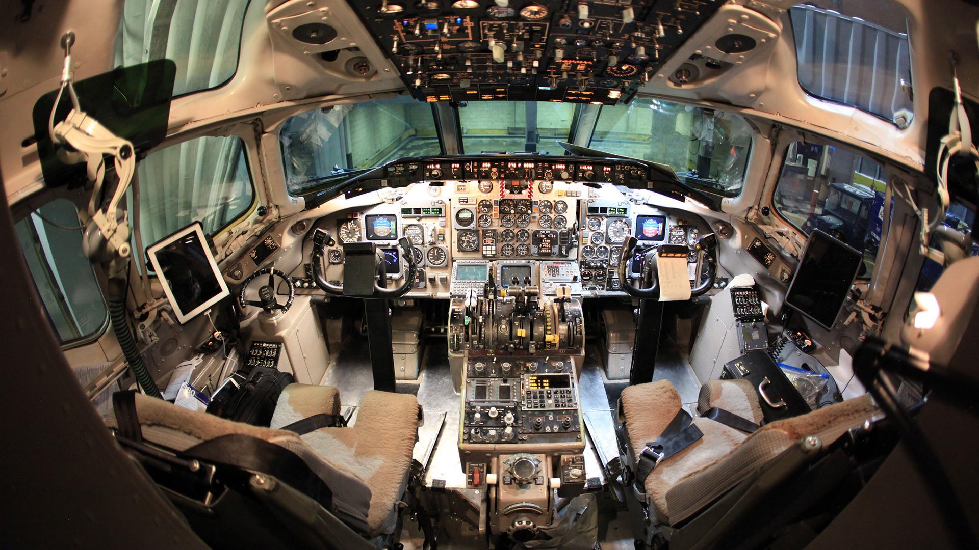 Cockpit Wallpaper #9910