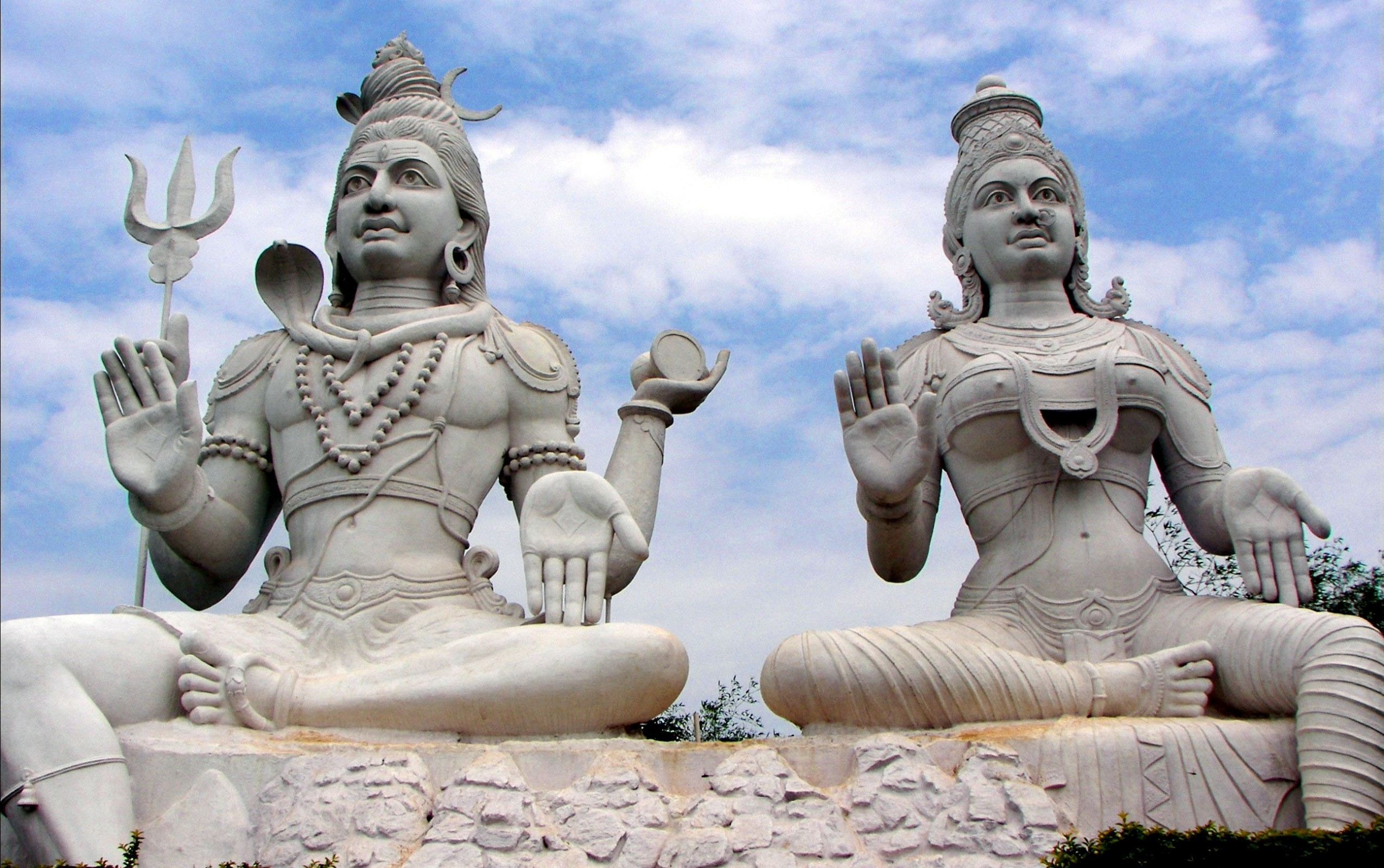 Lord Shiva And Parvathi In Kailasa G
