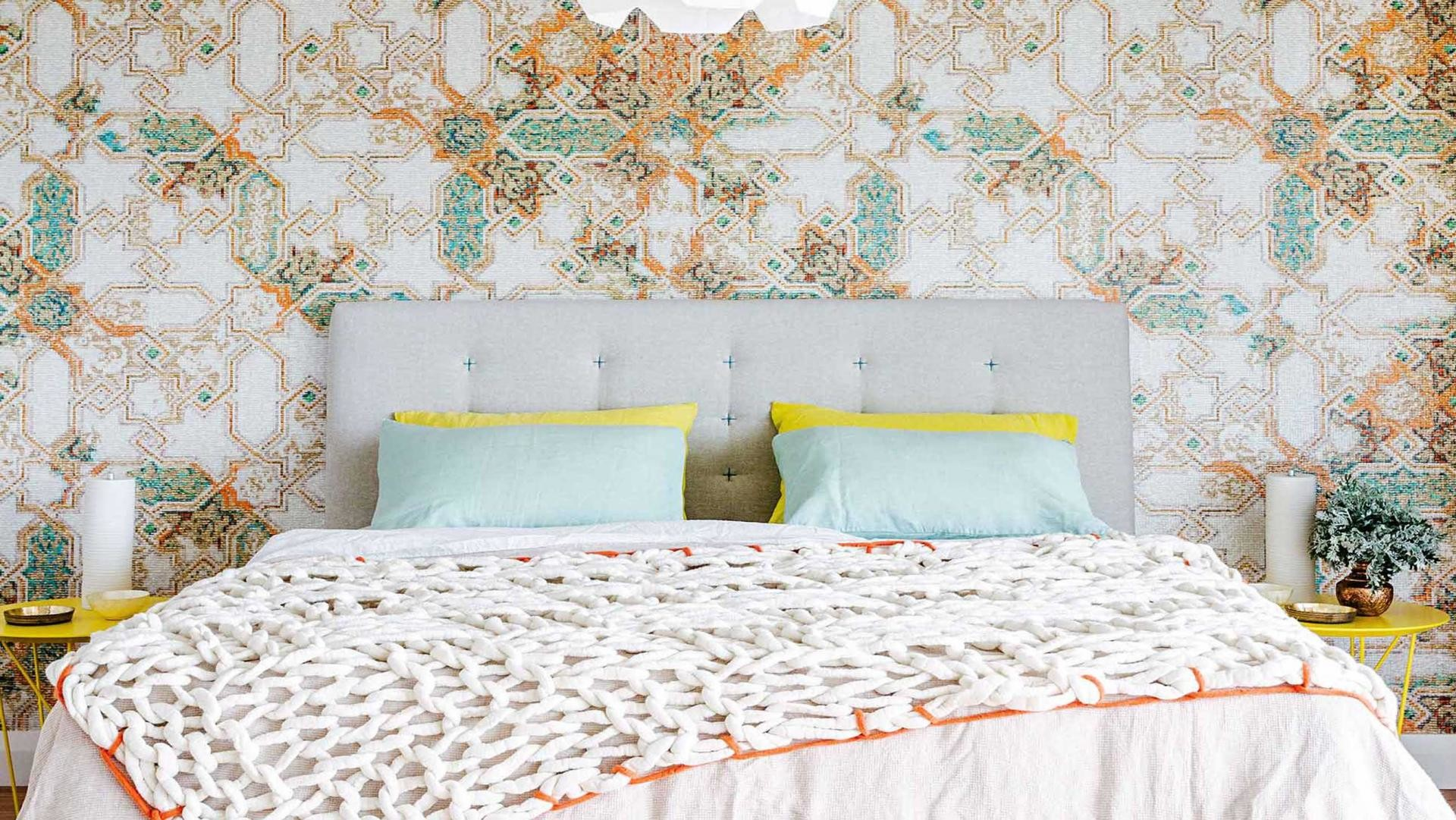 wallpaper-graphic-bedroom-apr15