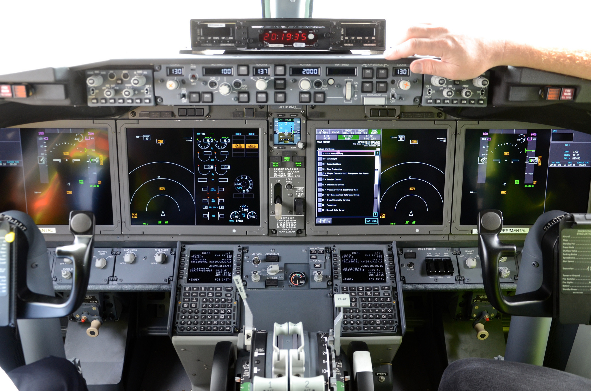 Cockpit of the Boeing 737-8 MAX