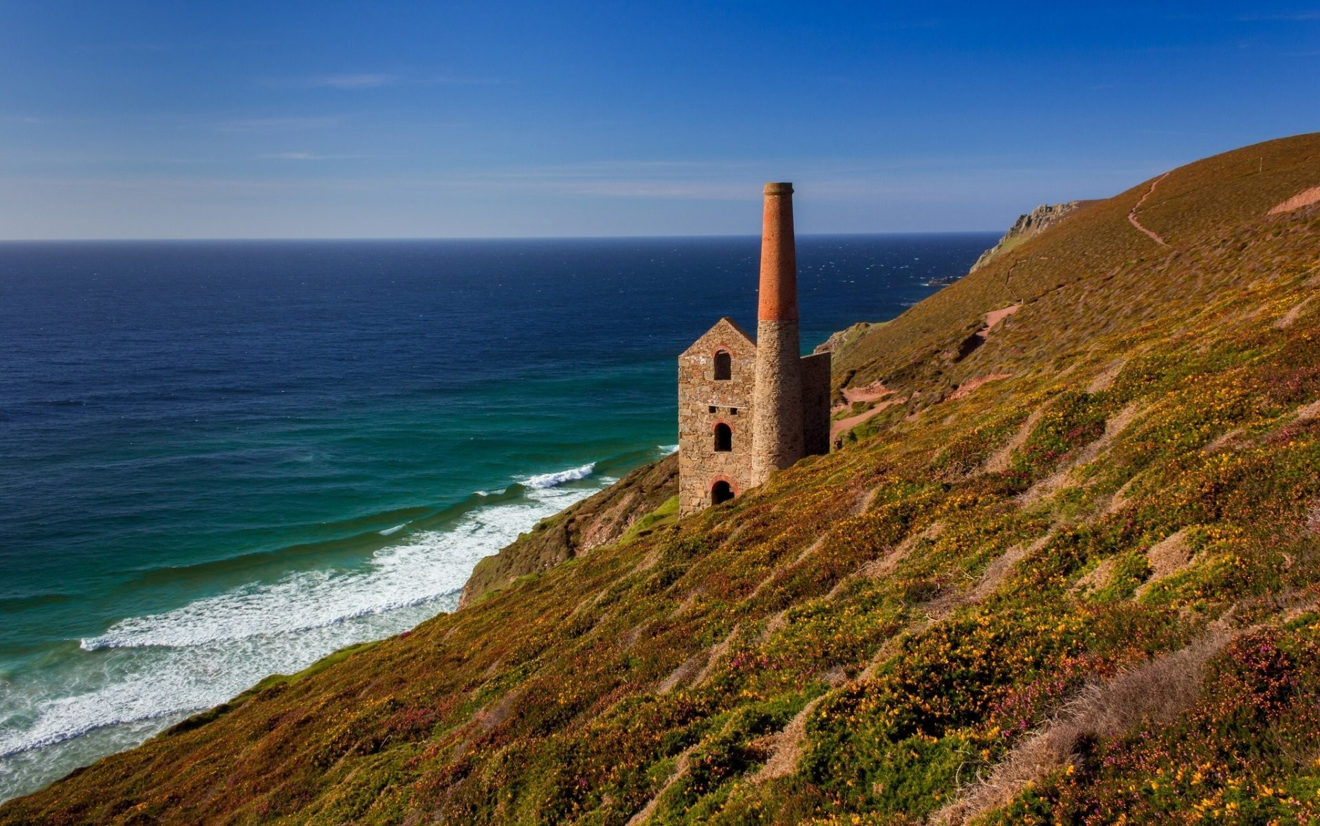 towanroath shaft engine house wheal coates porthtowan cornwall england  celtic sea porttovan cornwall england celtic sea
