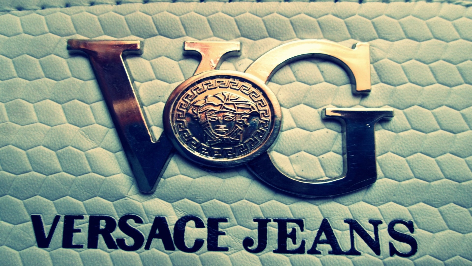 Preview wallpaper versace, logo, brand, company 1920×1080