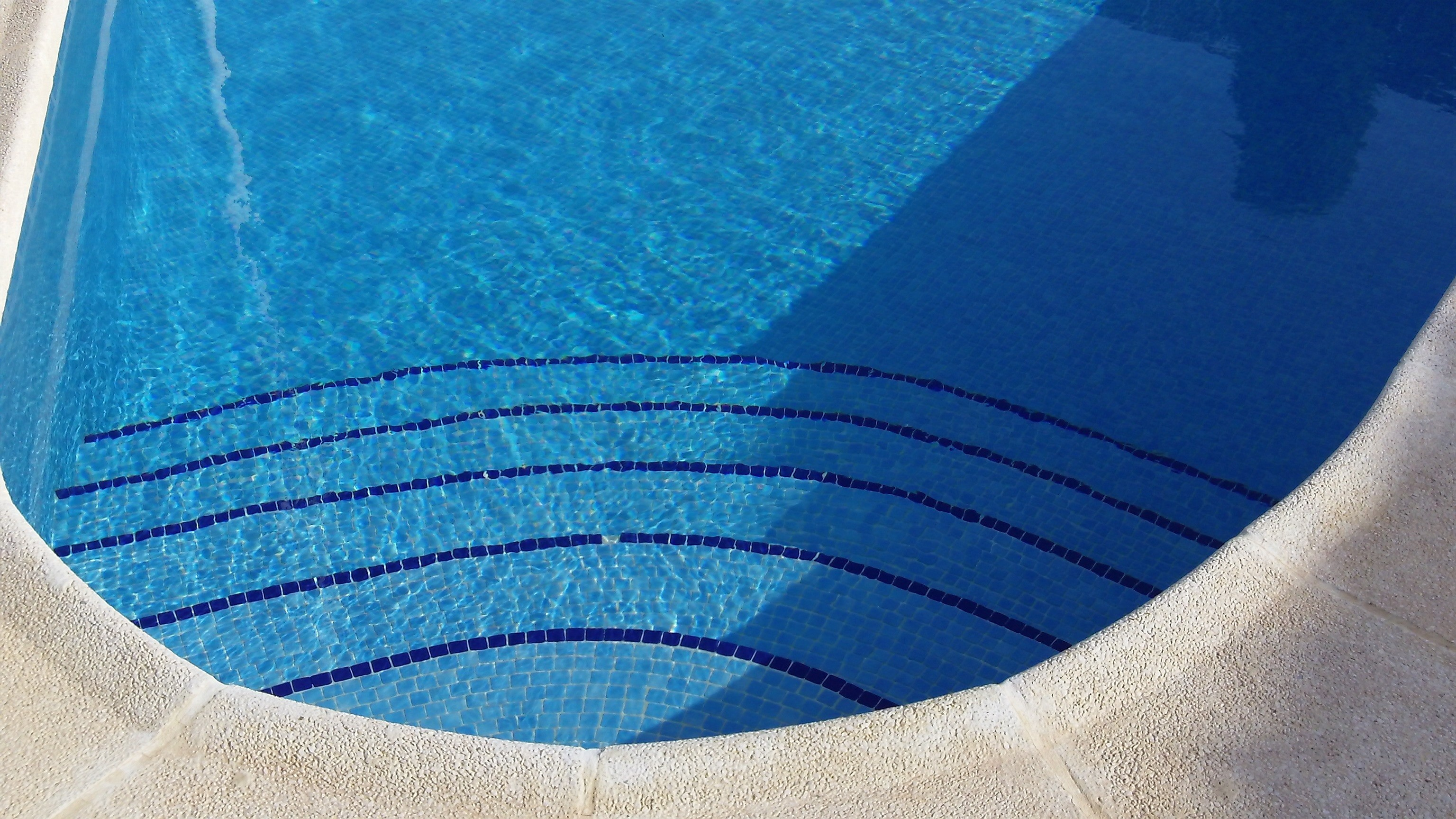 … Clear Pool Water Wallpaper