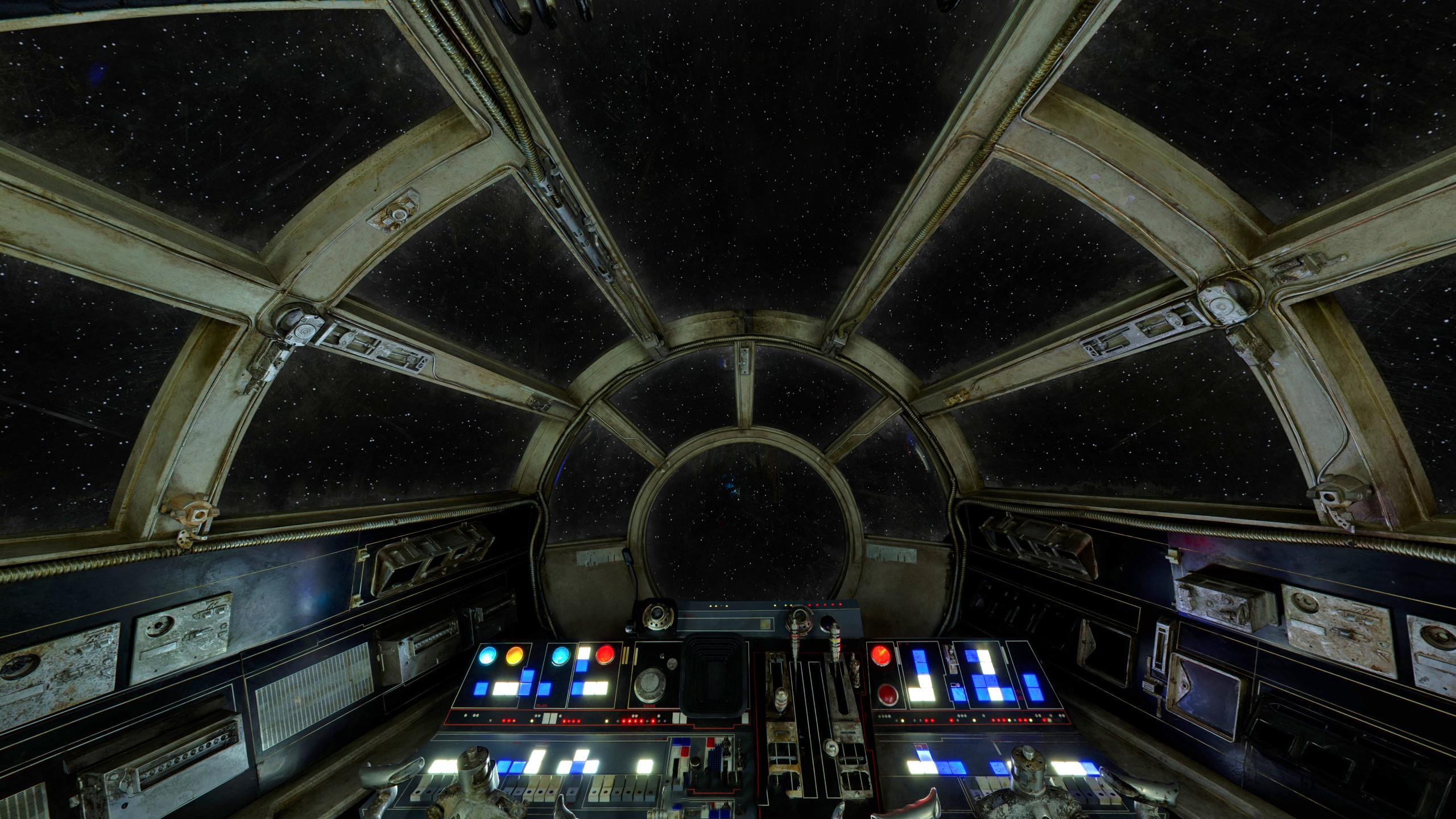 Millenium-Falcon-cockpit