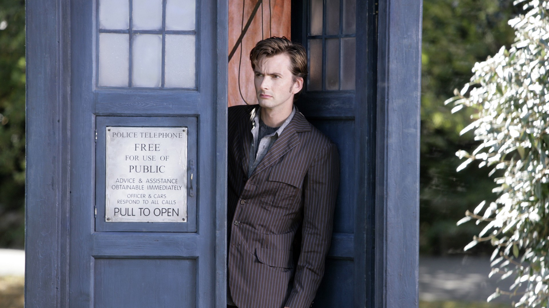 Doctor Who, The Doctor, David Tennant, Tenth Doctor, TARDIS Wallpapers HD /  Desktop and Mobile Backgrounds