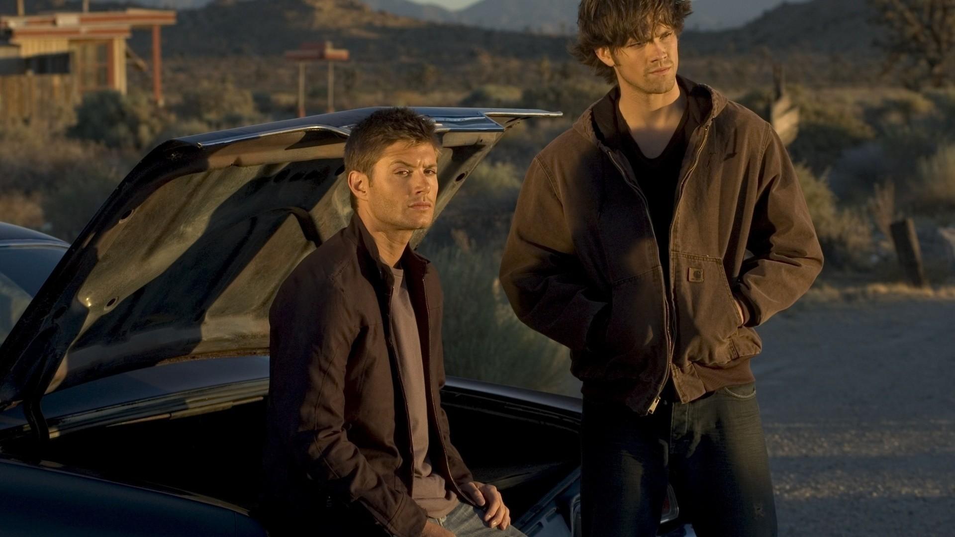 So young Dean and Sam Winchester Supernatural #spn #dean #sam #impala #