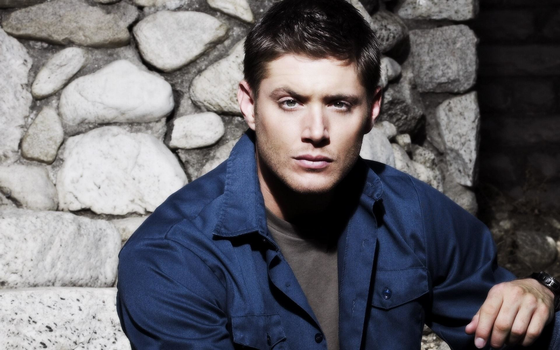 wallpaper.wiki-Dean-Winchester-Widescreen-Background-PIC-WPB0010364