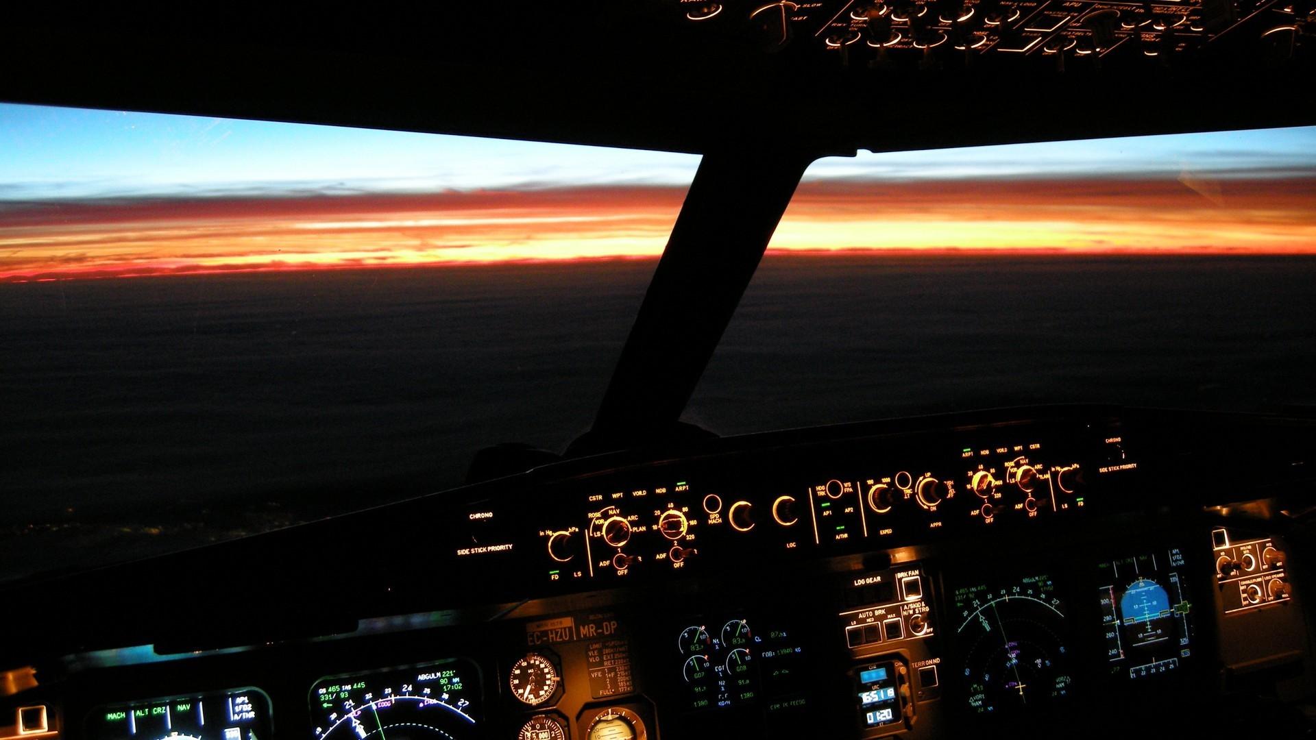 Airbus-Cockpit beleuchtet sunset wallpaper   AllWallpaper .