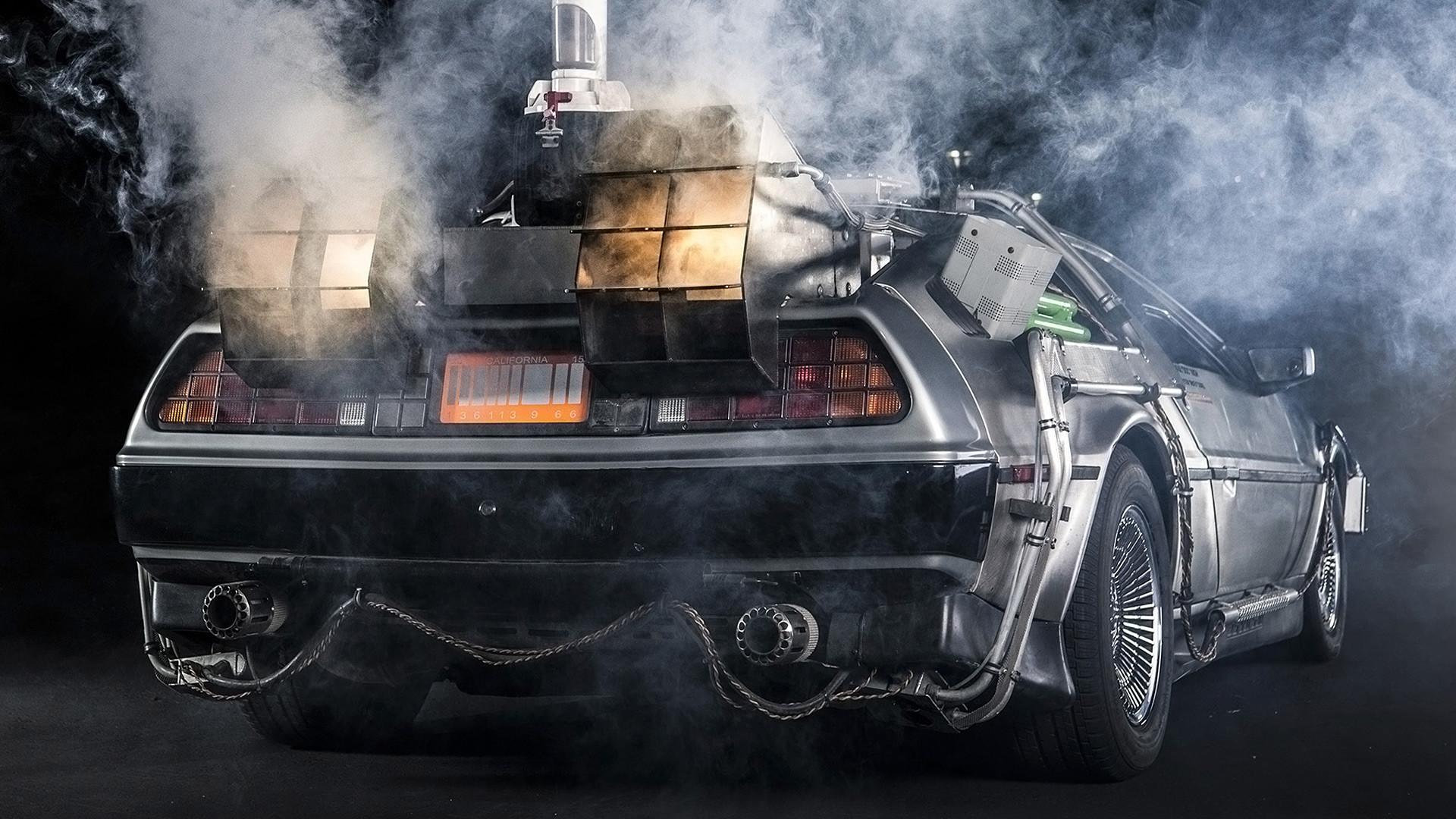 1985 DeLorean DMC-12 'Back to the Future' picture