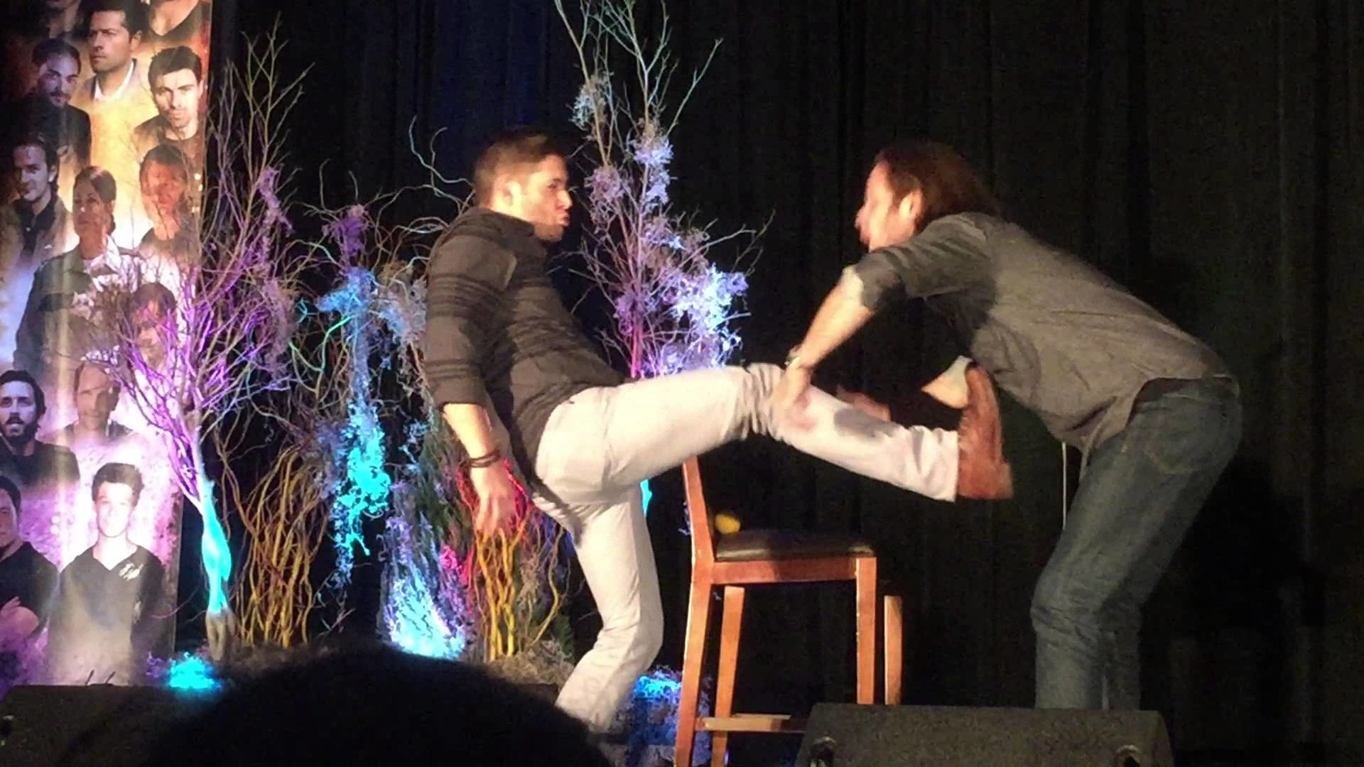 Jared Padalecki and Jensen Ackles – slow motion fight – Houston Convention  2015 – YouTube