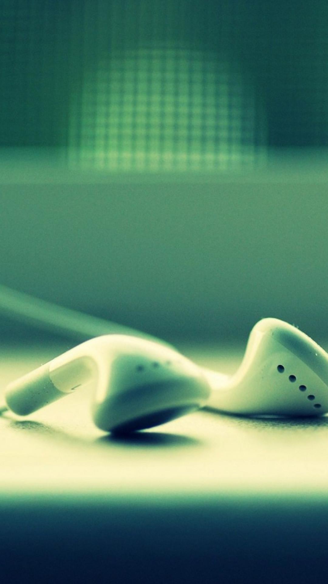 iPod Headphones Closeup #iPhone #6 #plus #wallpaper
