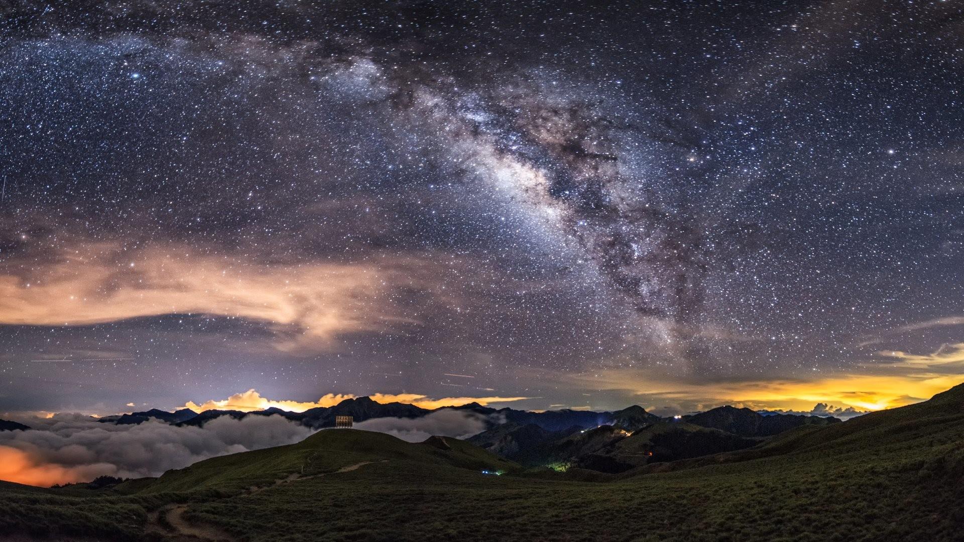 4K HD Wallpaper: Milky Way on the Night Sky