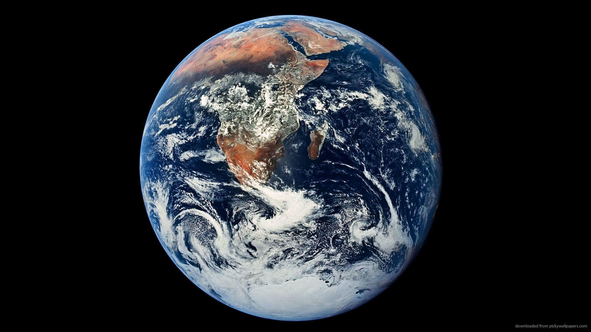 HD The Earth Wallpaper