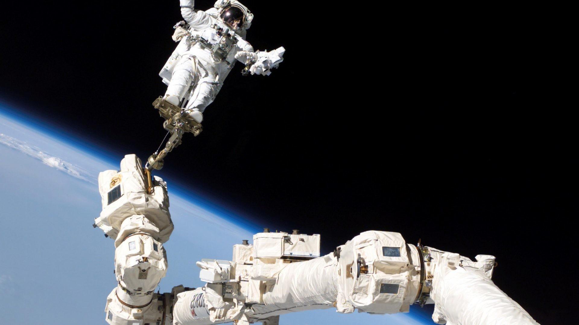 Orbit Tag – Astronaut Planets Orbit Space Nature Desktop Free Download for  HD 16:9