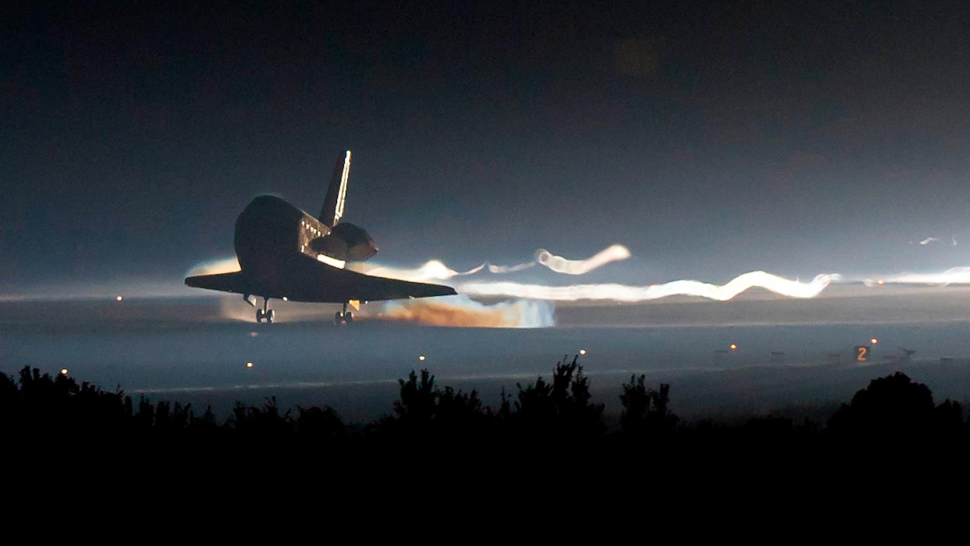 The Definitive Goodbye Space Shuttle Desktop Wallpaper