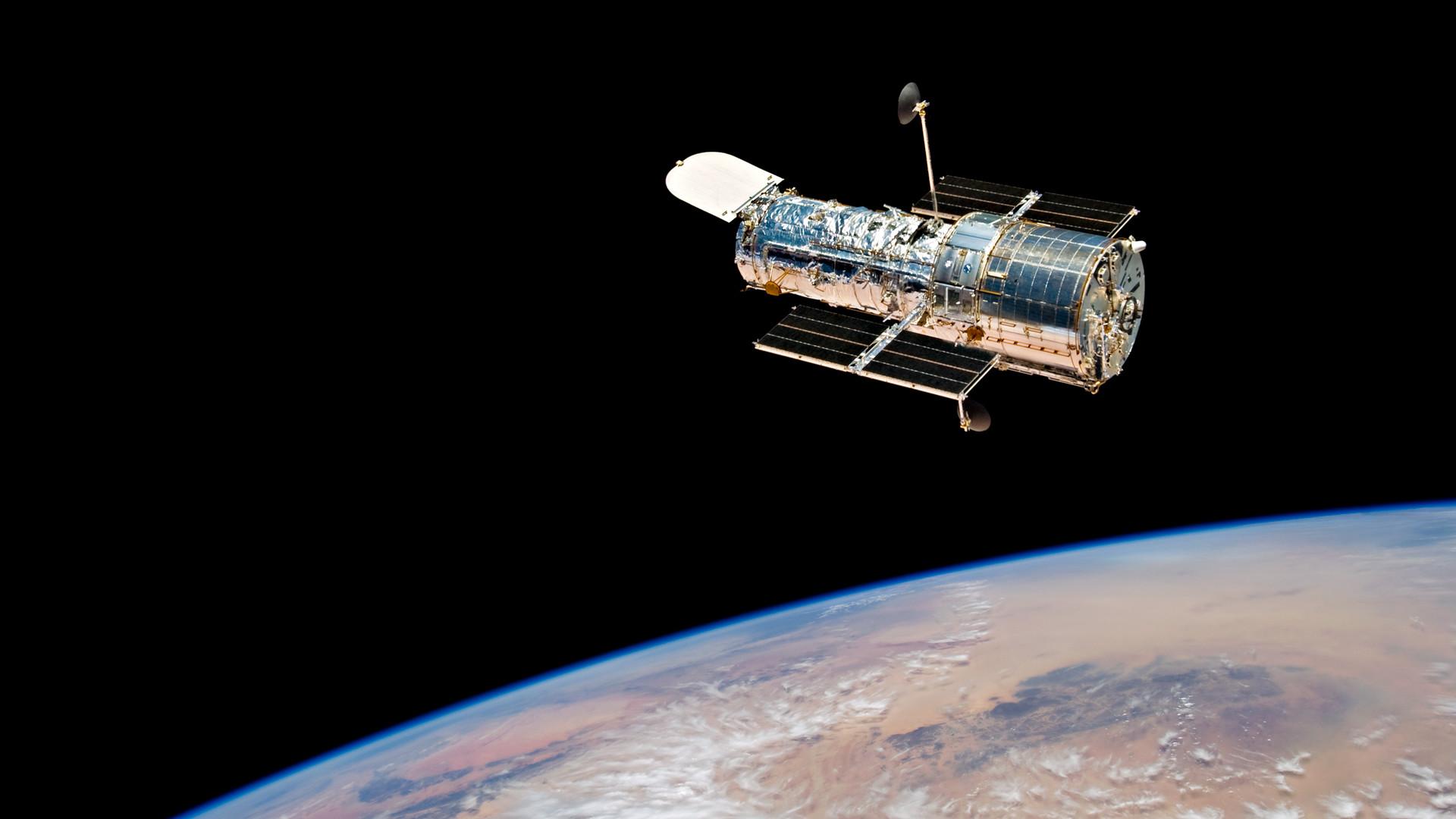 Photograph of Hubble Space Telescope in orbit