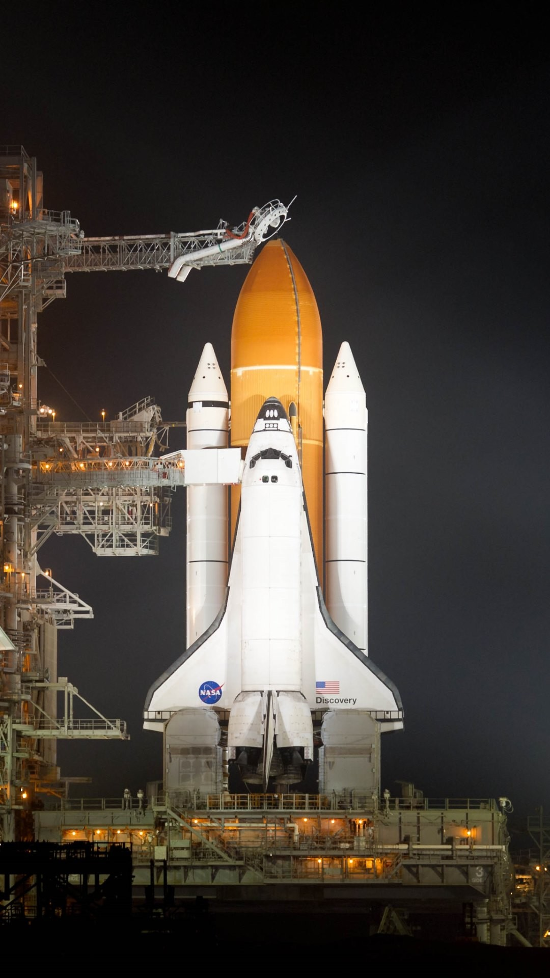 And in the 4th wallpaper is the NASA Discovery Shuttle on the launch  platform ready for download in 4K, HD and wide sizes