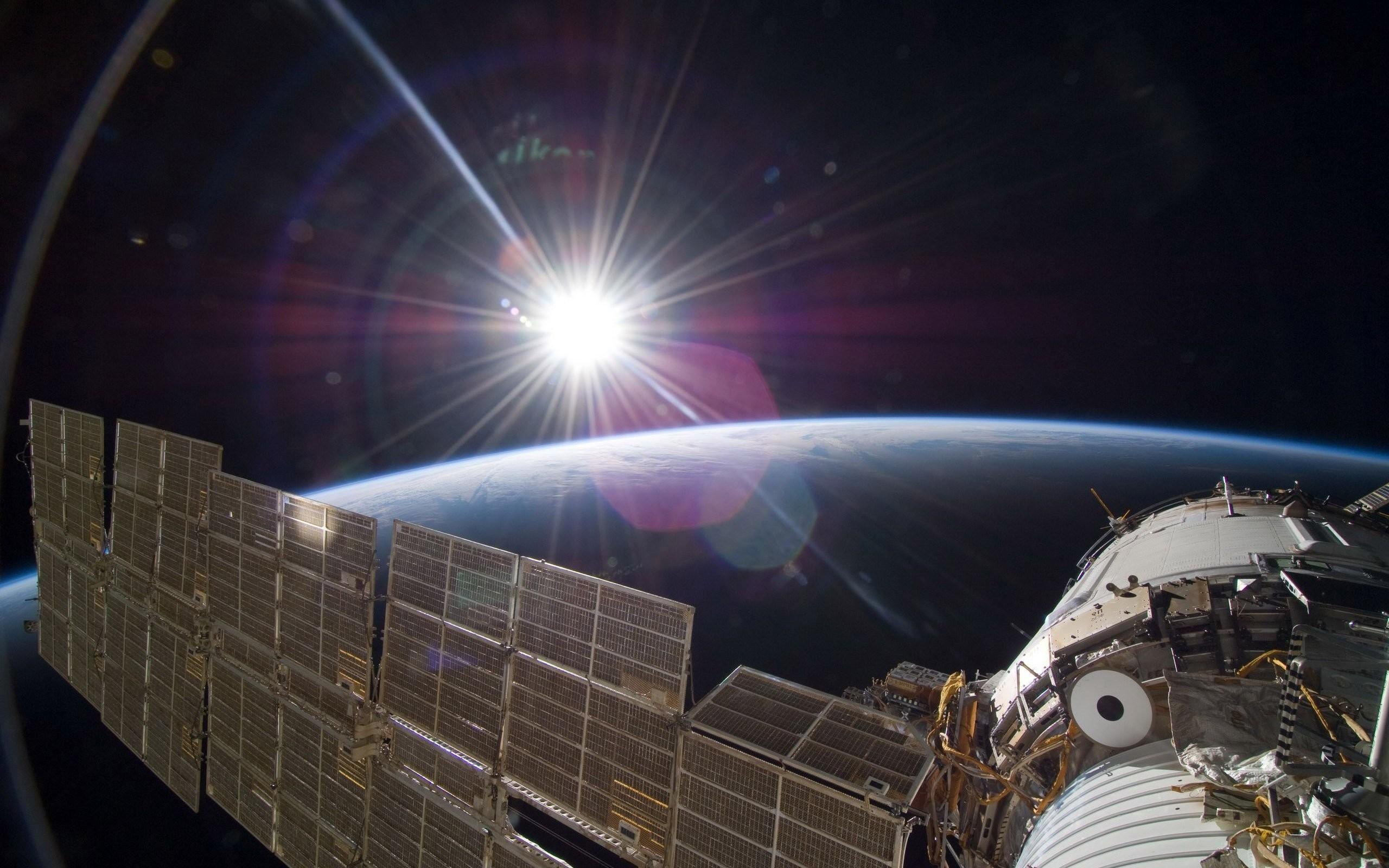 International Space Station 411584