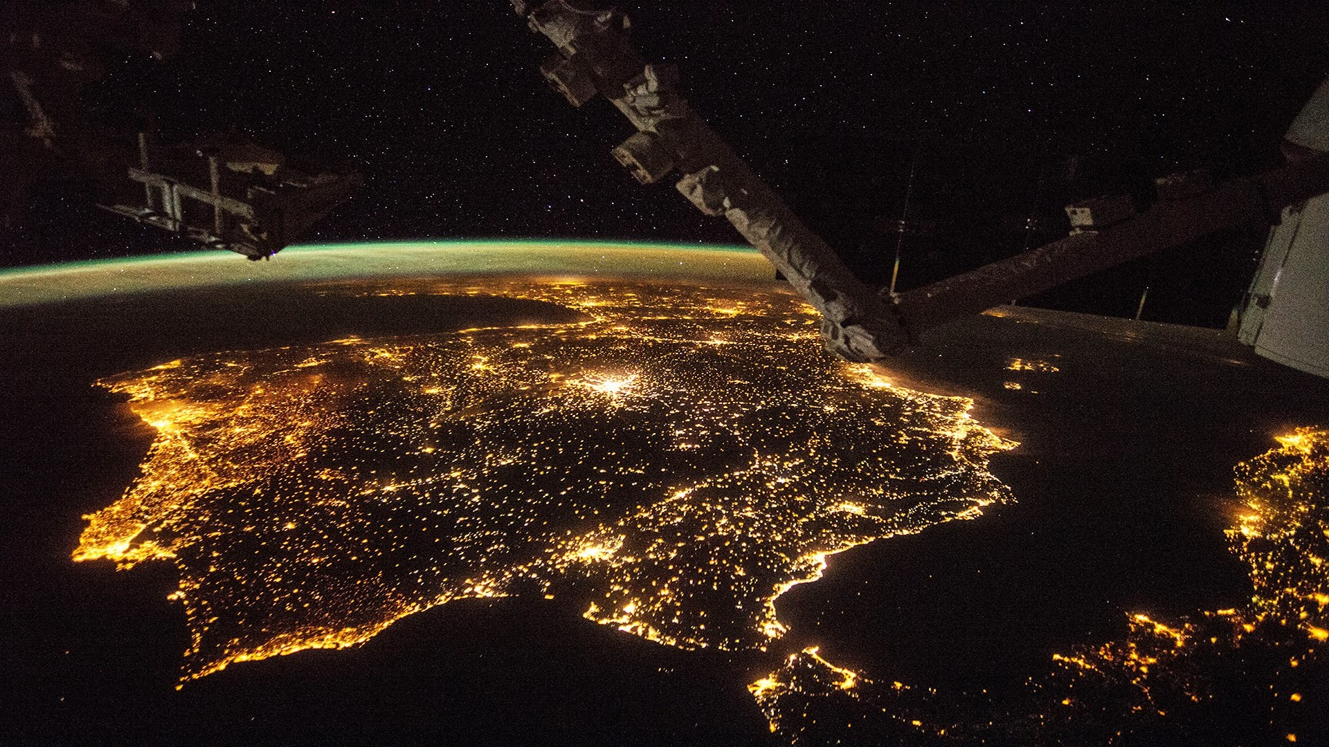 International Space Station ISS flying over Europe [HD 1080p video] –  YouTube