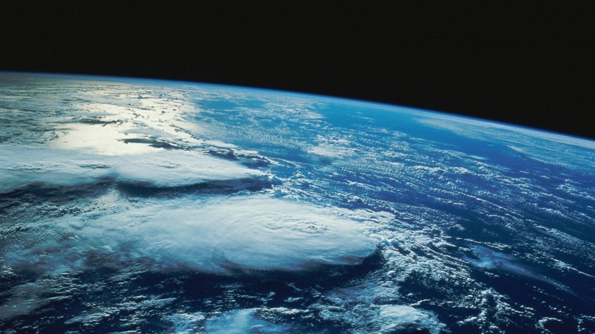 Earth's Atmosphere 793225
