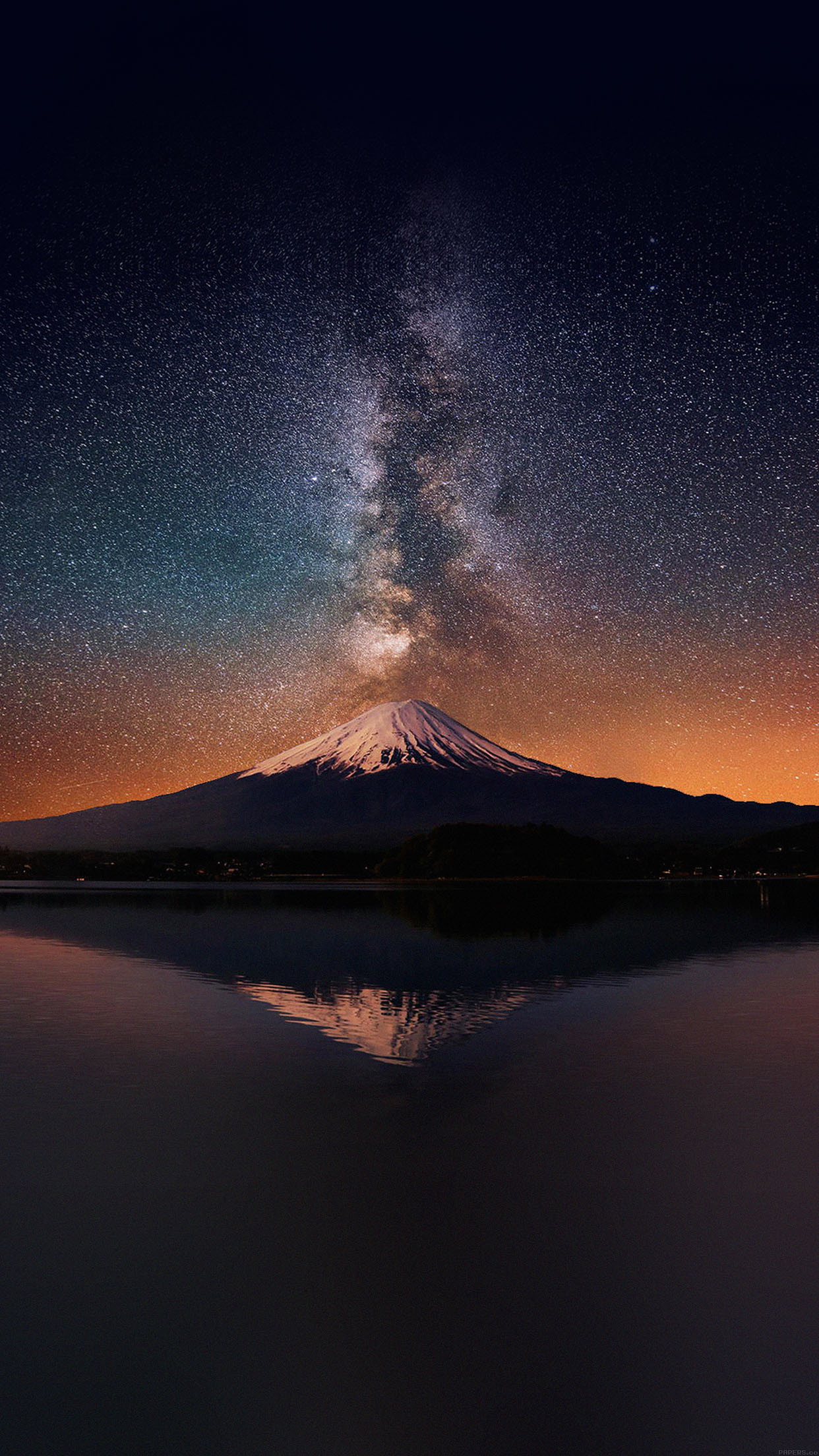 awesome wallpaper-milky-way-on-mountain-fuji-sky-iphone6