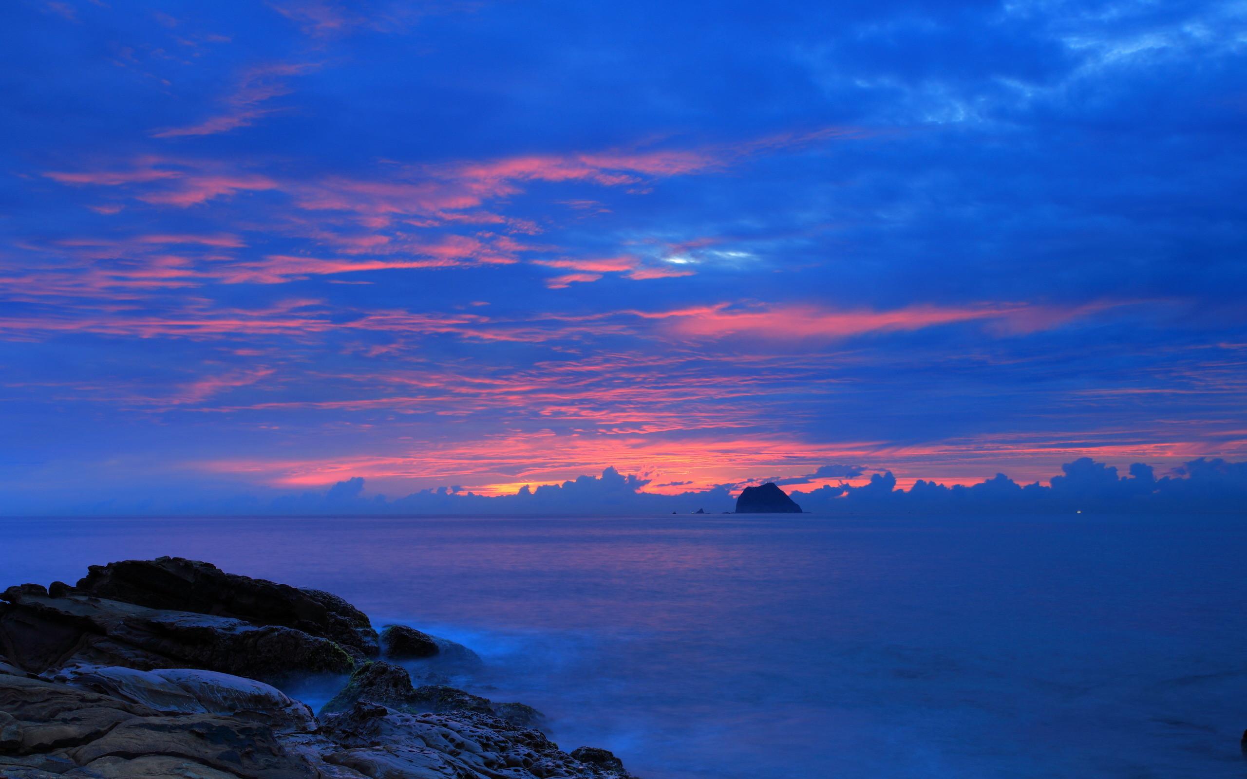 Blue Night Cloudy Sky