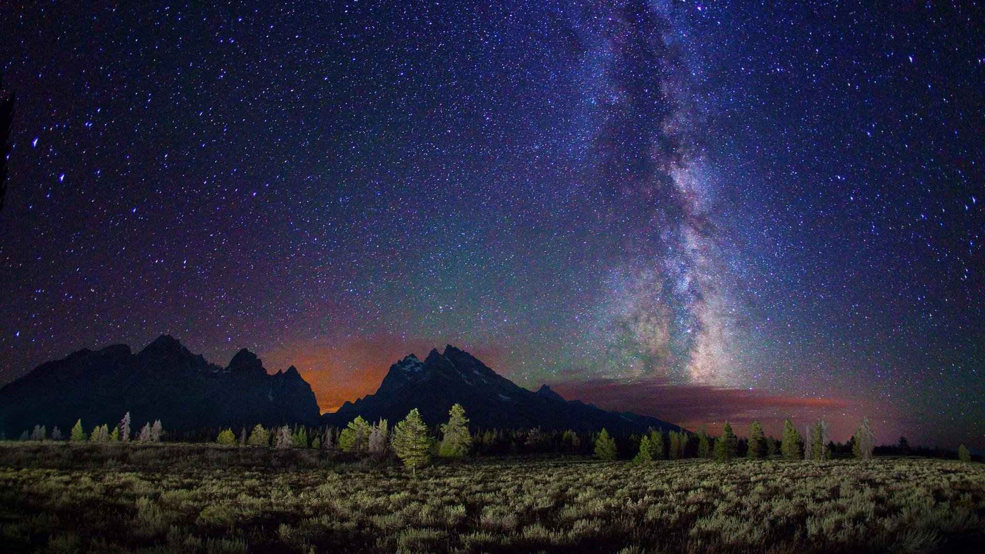 Night-sky-above-the-mountains-HD-wallpaper