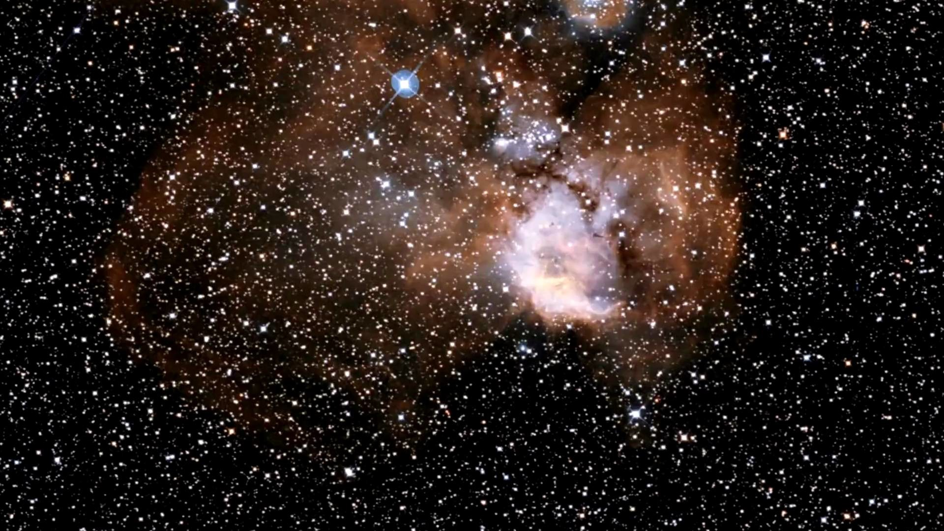 Hubble Zooms Into NGC 2467.